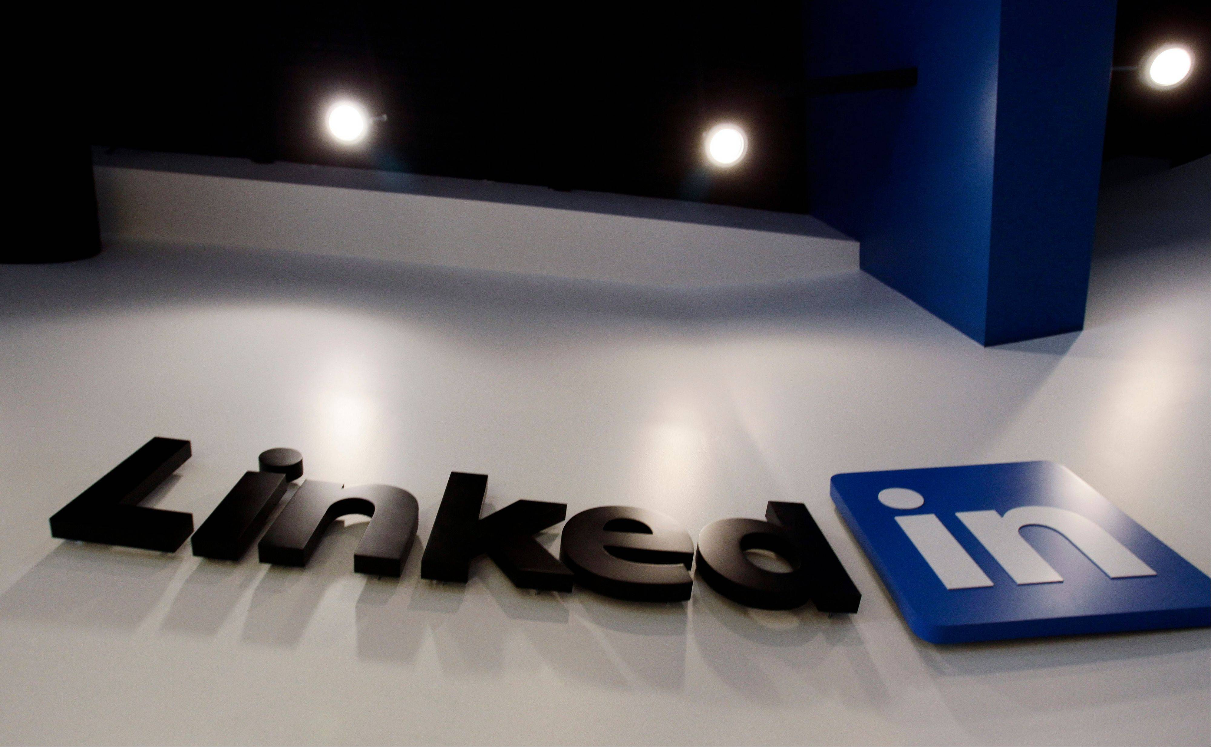"LinkedIn announced this week that it is dropping its minimum age from 18 to 14 in the United States to allow teens to build their resumes and connect with colleges on the site. The social network is encouraging universities to build their own ""University Pages"" so that potential applicants can learn about their offerings."