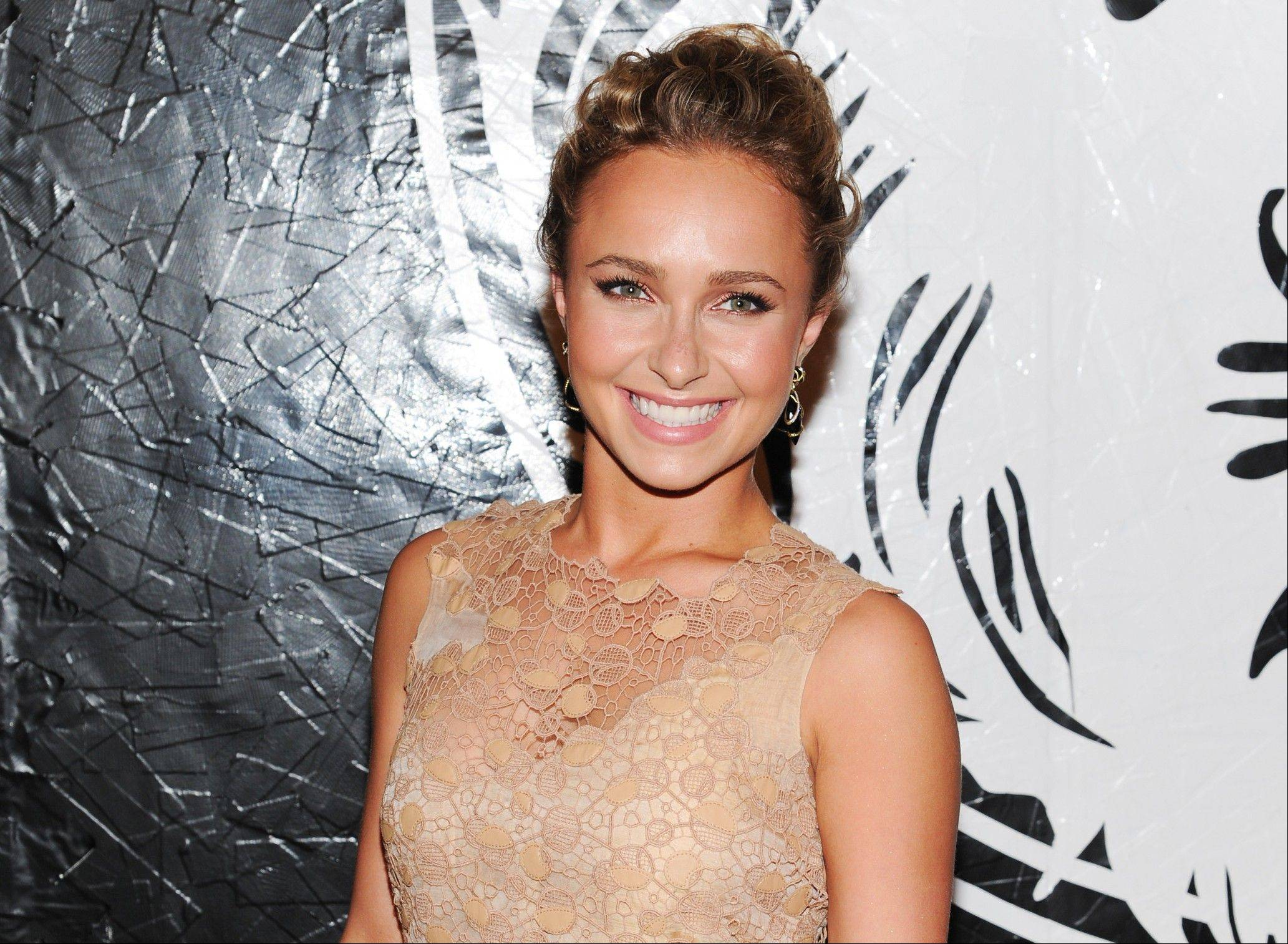 The Environmental Media Association is honoring Hayden Panettiere for her dedication to ecological causes.