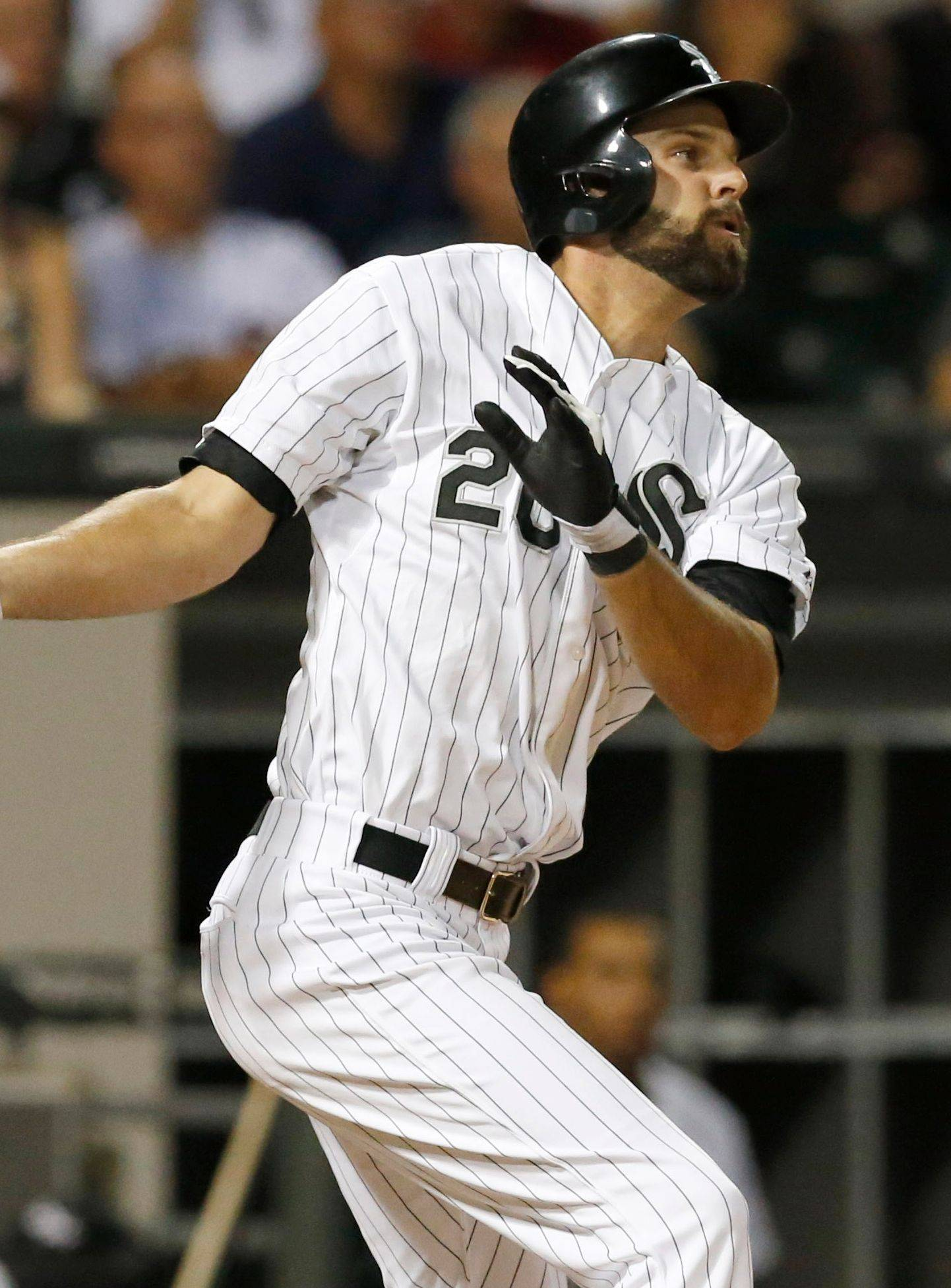 Jordan Danks hits a 2-run single that gives the White Sox a 4-3 lead in the eighth inning against Houston.
