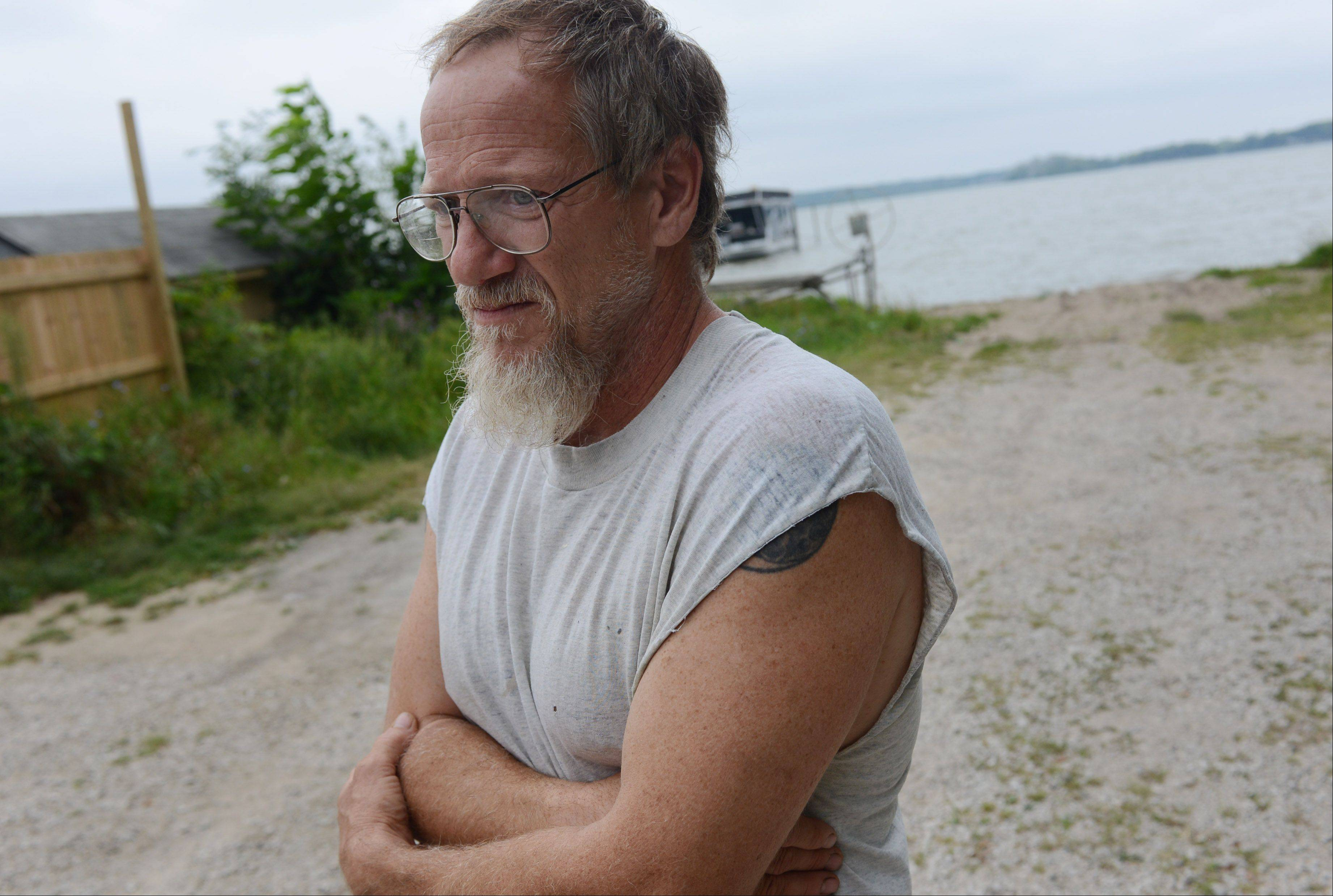 Ingleside resident Jim Zettlemoyer witnessed rescue crews attempting to revive a 9-year-old Round Lake girl who had drowned near a boat launch at Stormy Monday bar in Ingleside Tuesday evening.