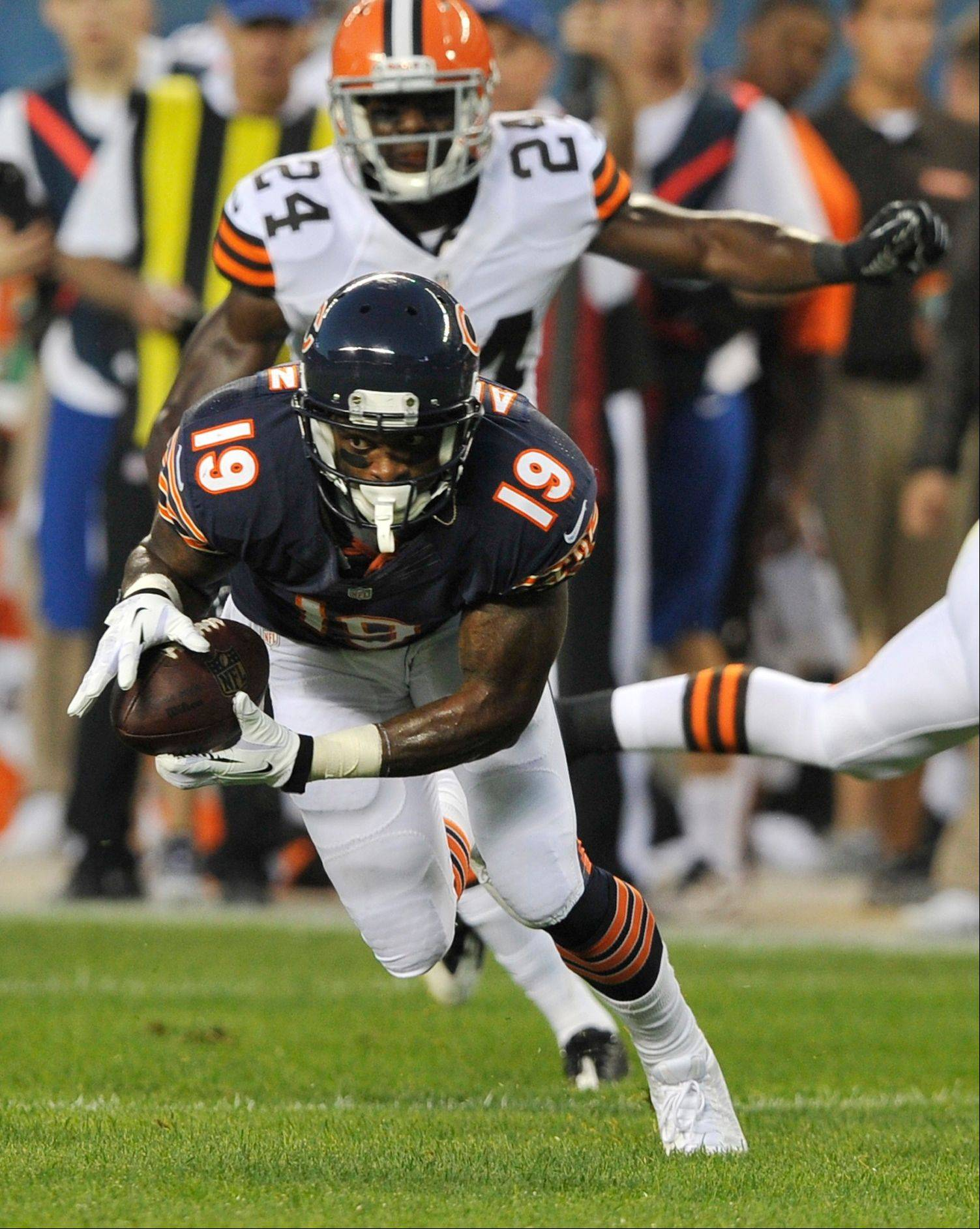 Wide receiver Joe Anderson makes 1 of his 4 receptions during the Bears' preseason game against Cleveland at Soldier Field on Thursday night.