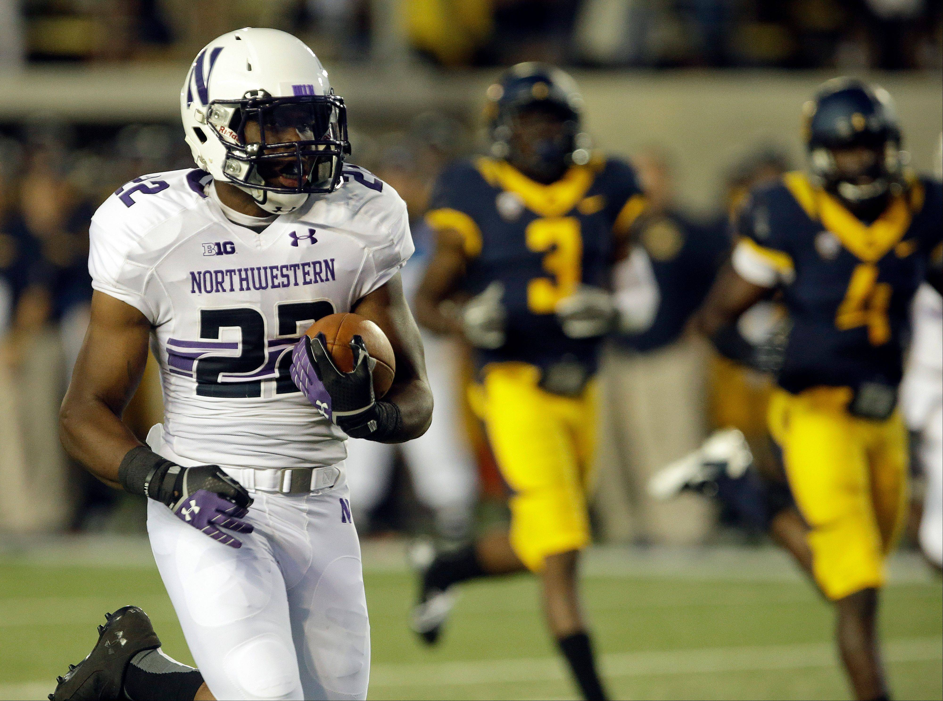 Northwestern's Treyvon Green runs for a touchdown against California during the Wildcats' season-opening victory Saturday night.