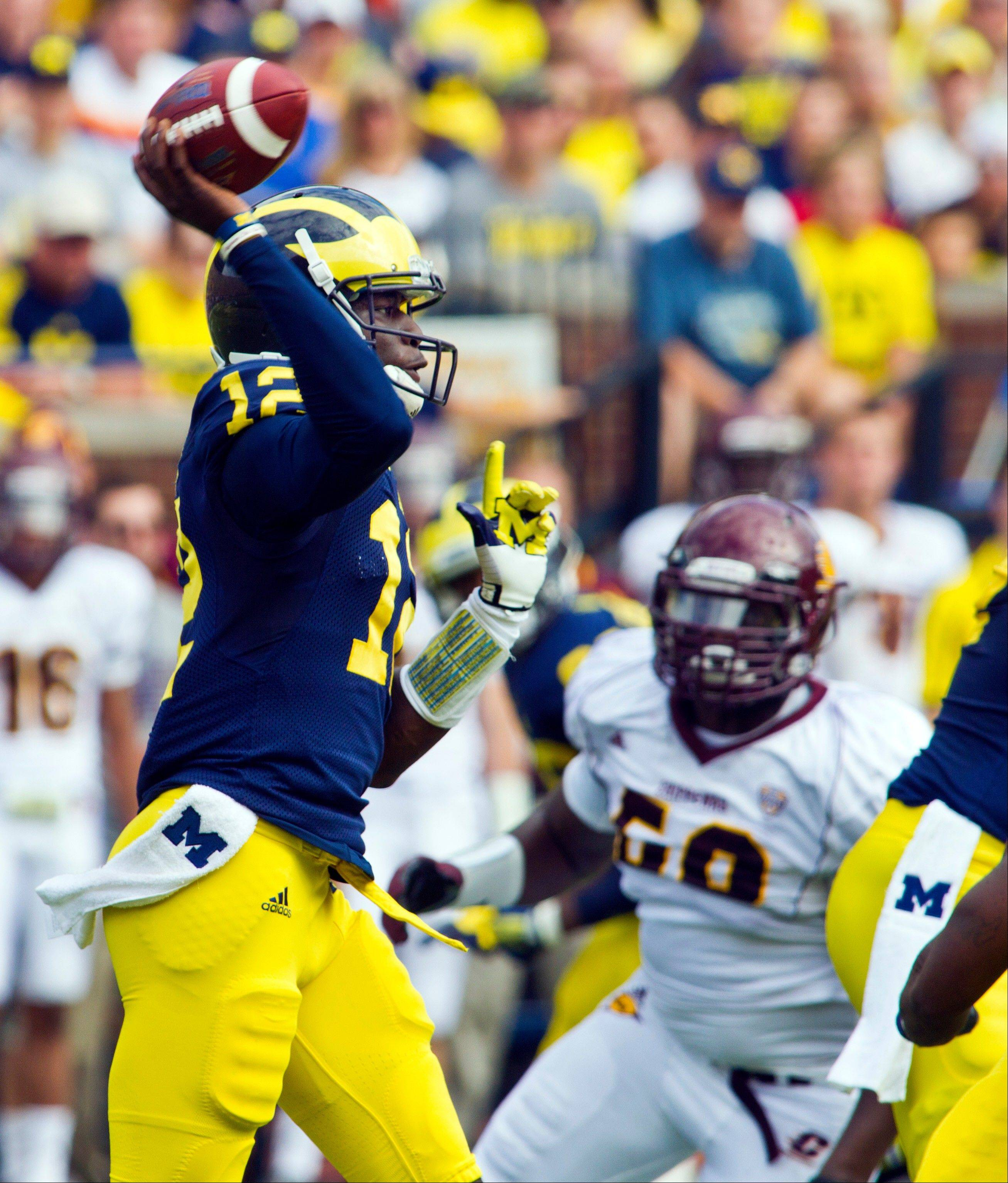Michigan quarterback Devin Gardner throws a pass in the first quarter of Saturday�s game with Central Michigan in Ann Arbor.