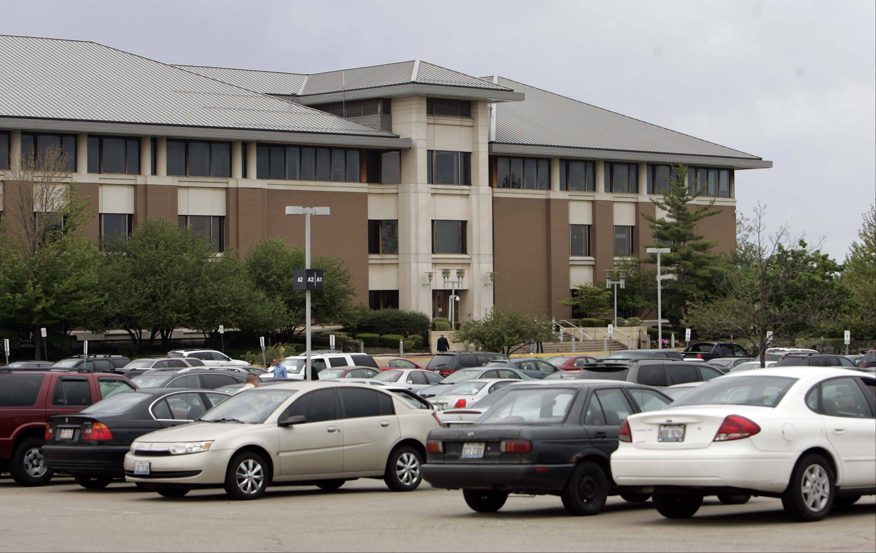 The Kane County Judicial Center in St. Charles, along with two branch courts, were closed down Wednesday morning after officials received bomb threats directed at the locations.