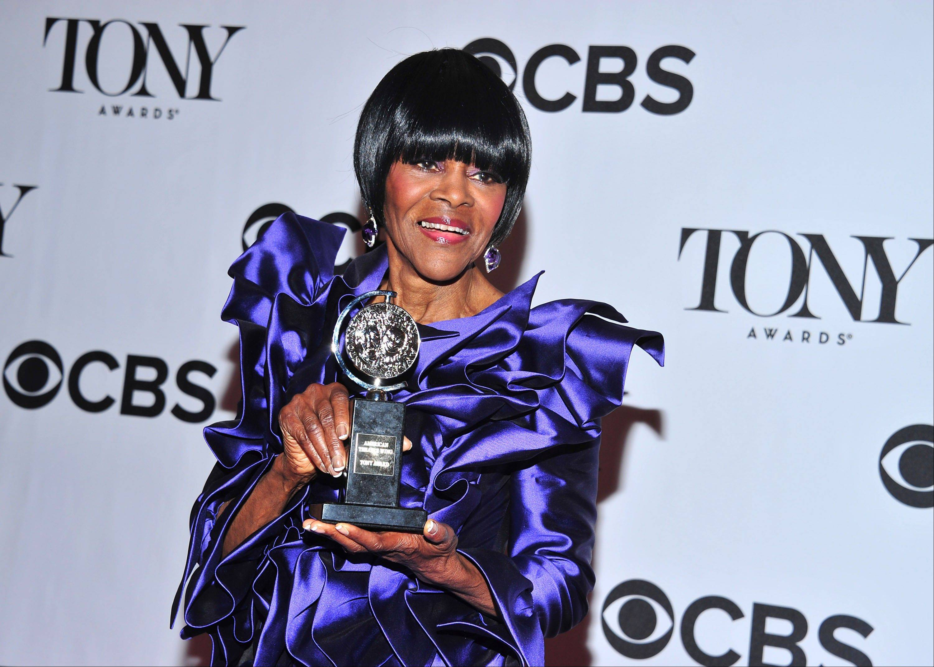 "Cicely Tyson, with her Tony award for best actress in a play for ""The Trip to Bountiful,"" ends her award-winning role on Oct. 9."