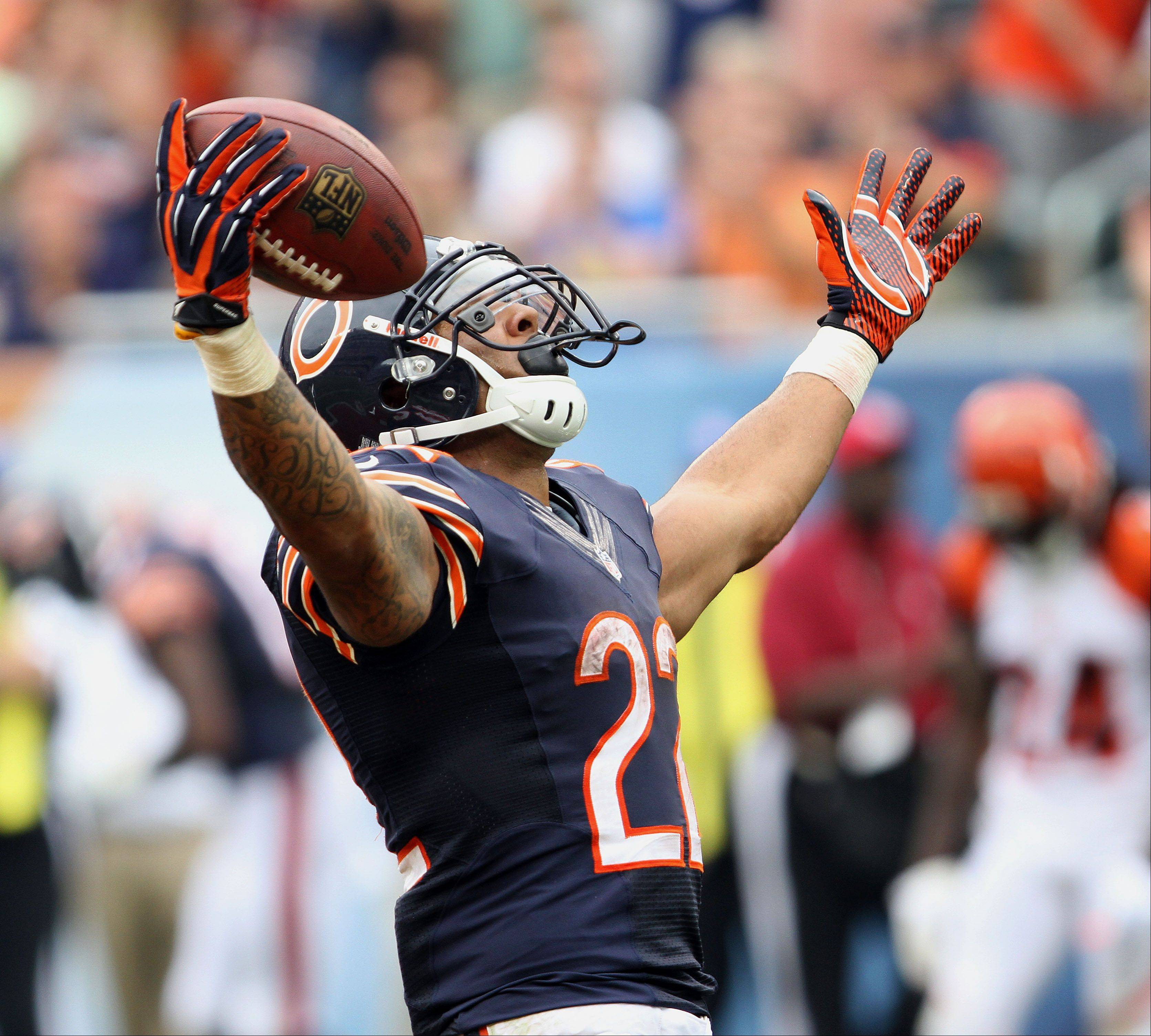 Steve Lundy/slundy@dailyherald.comChicago Bears running back Matt Forte celebrates after his 3rd quarter touchdown during their opening day game against Cincinnati Sunday at Soldier Field.