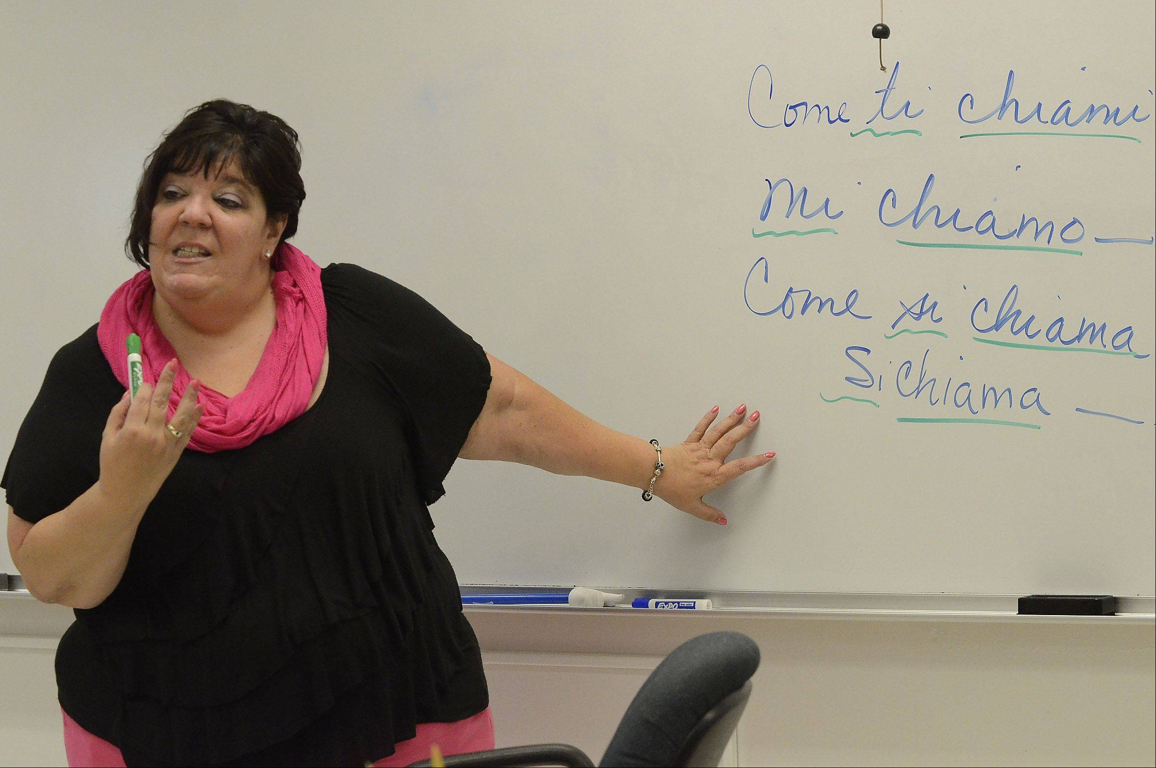 Lyn Scolaro teaches Italian 1.
