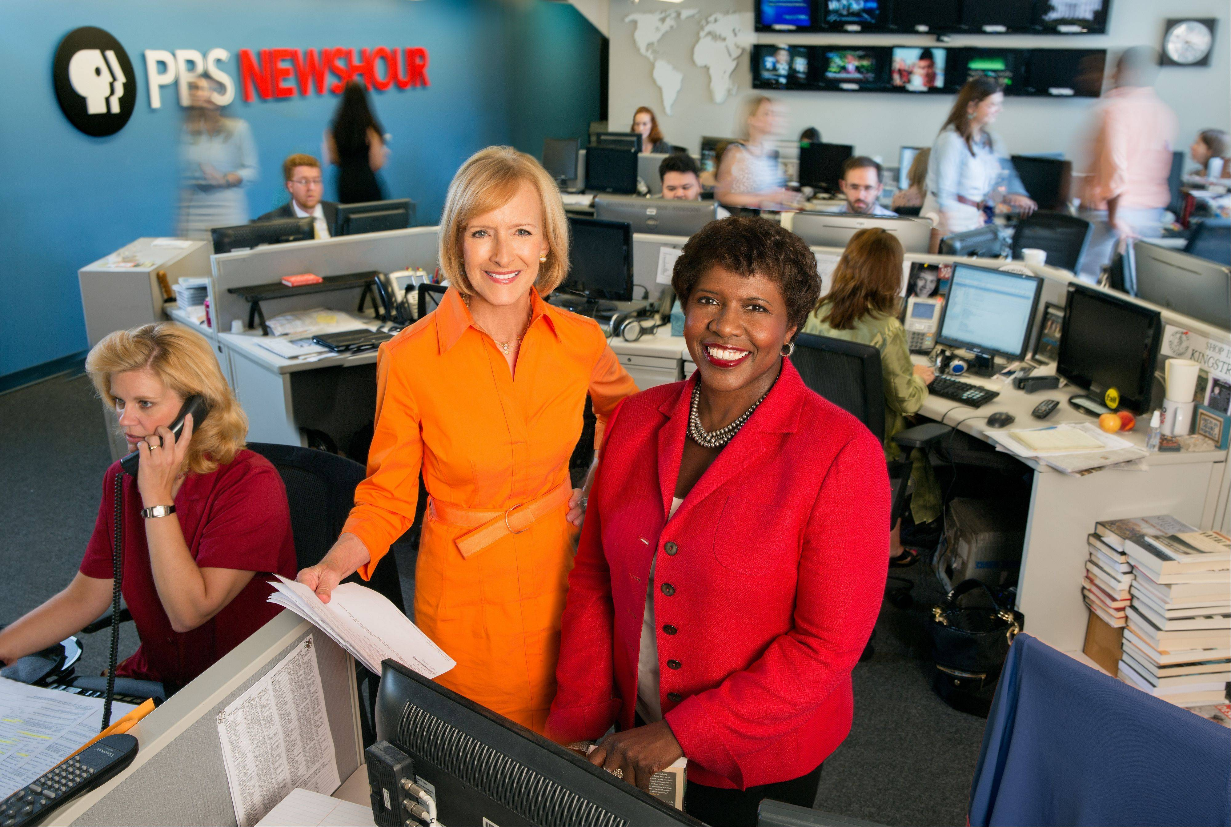 "Co-anchors Judy Woodruff, left, and Gwen Ifill in the newsroom of ""PBS Newshour,"" a national news program. Ifill and Woodruff are the first women to co-anchor a national daily news program on television."