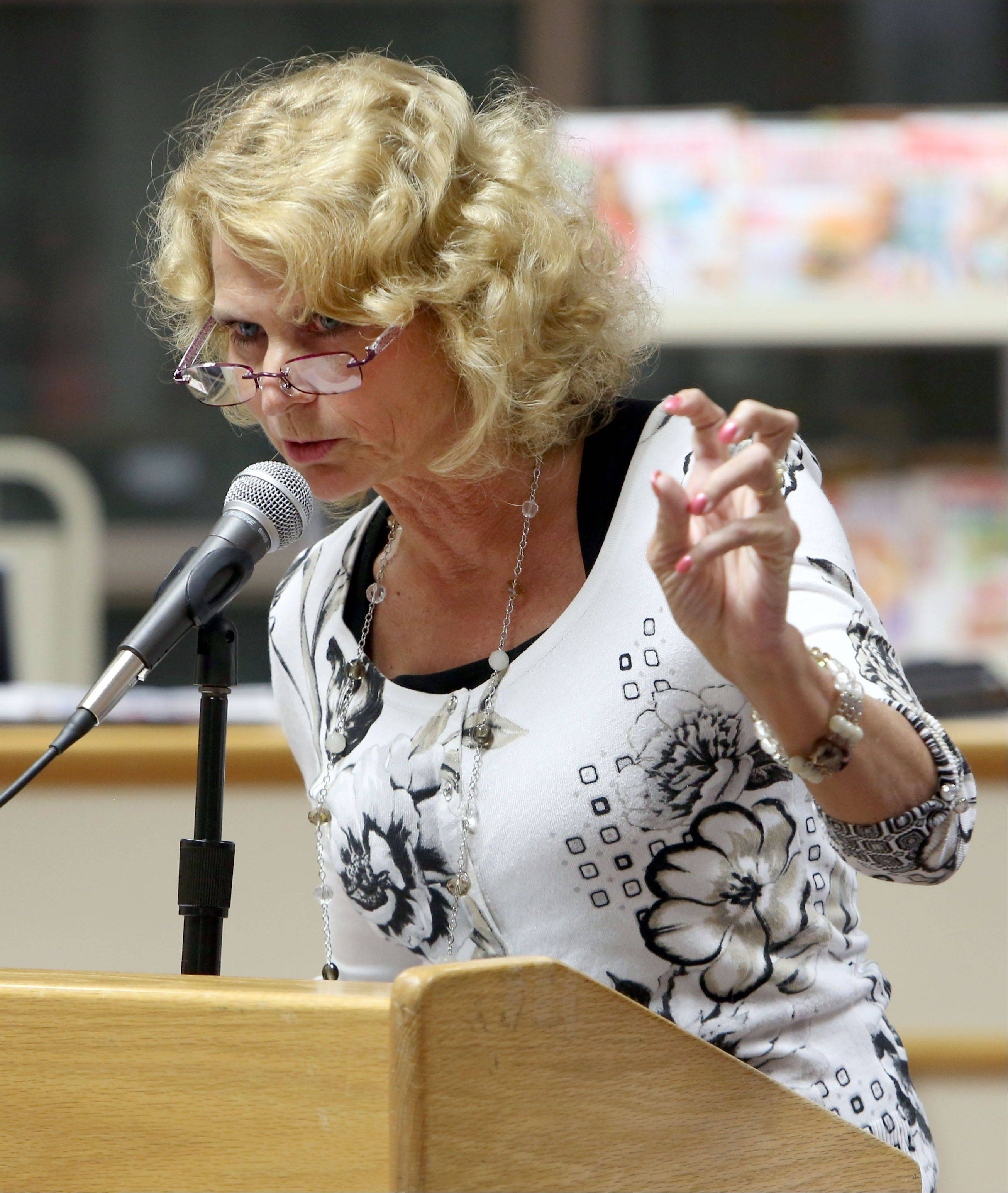 Gurnee Mayor Kristina Kovarik speaks in favor of the board and about the lack of decorum shown at the last Warren Township High School District 121 board meeting.