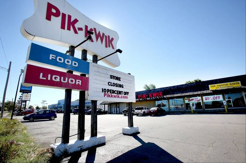 Roselle grocery store closing after 56 years for Food bar pik