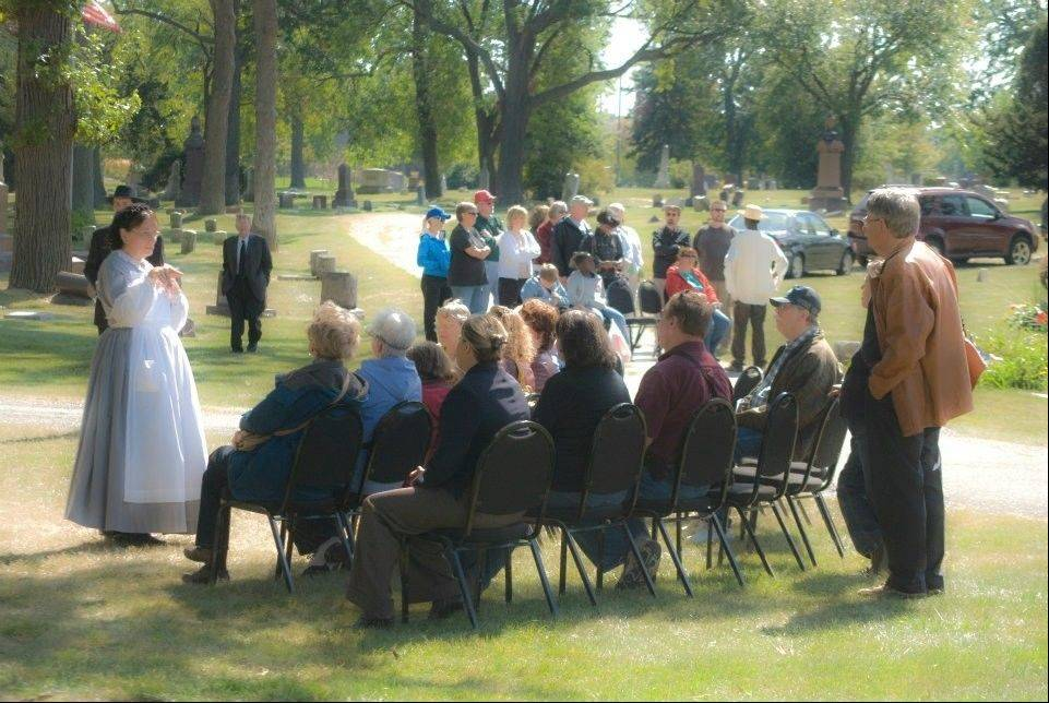 Actress Judy Tabachnick tells her story to guests at a previous Cemetery Walk.