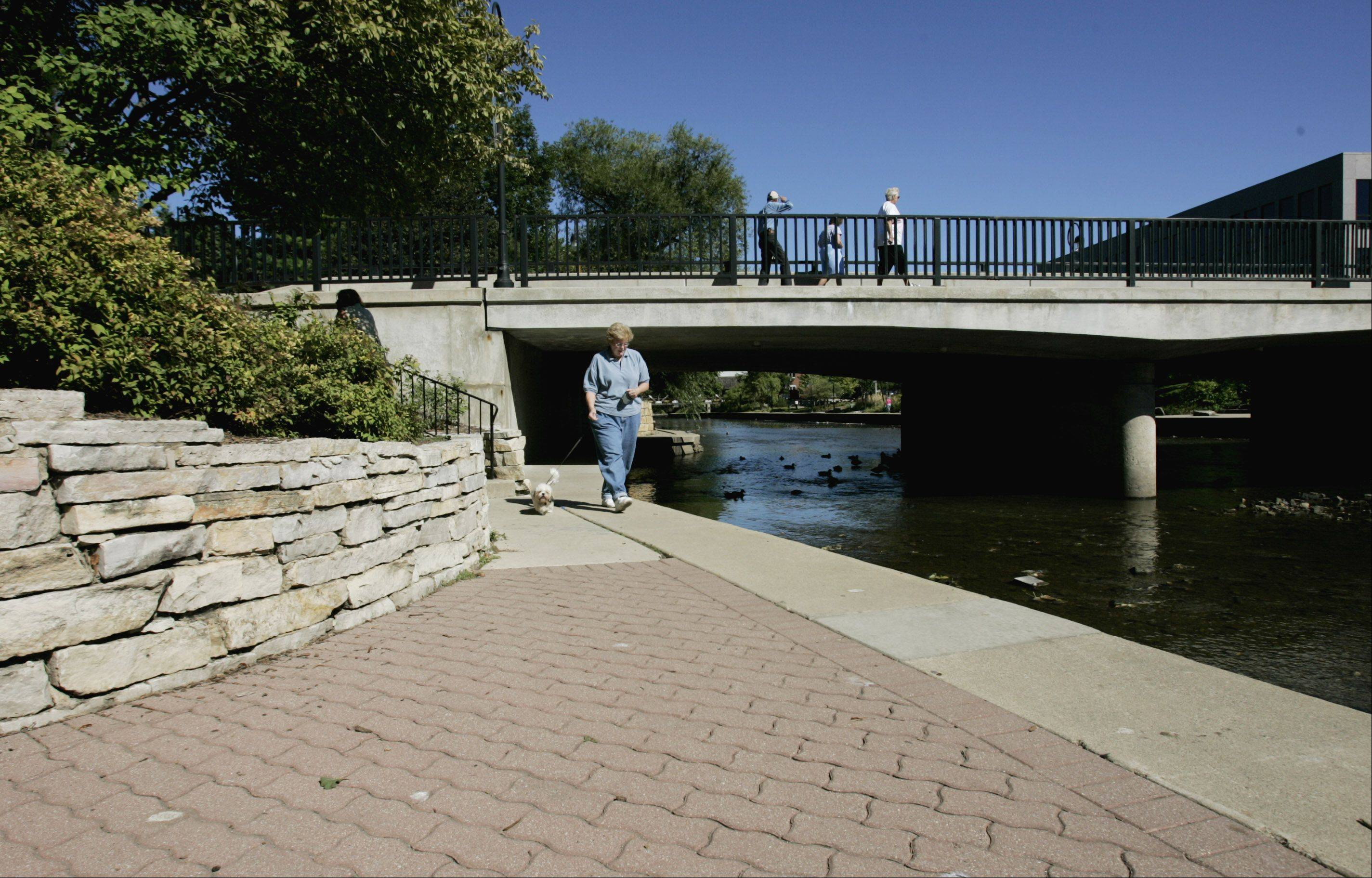 The Naperville Riverwalk Commission has approved a procedure explaining the steps toward approval that must be followed by any person or group looking to add a plaza, fountain, sculpture, memorial or other feature to the popular 1.75-mile path along the West Branch of the DuPage River.