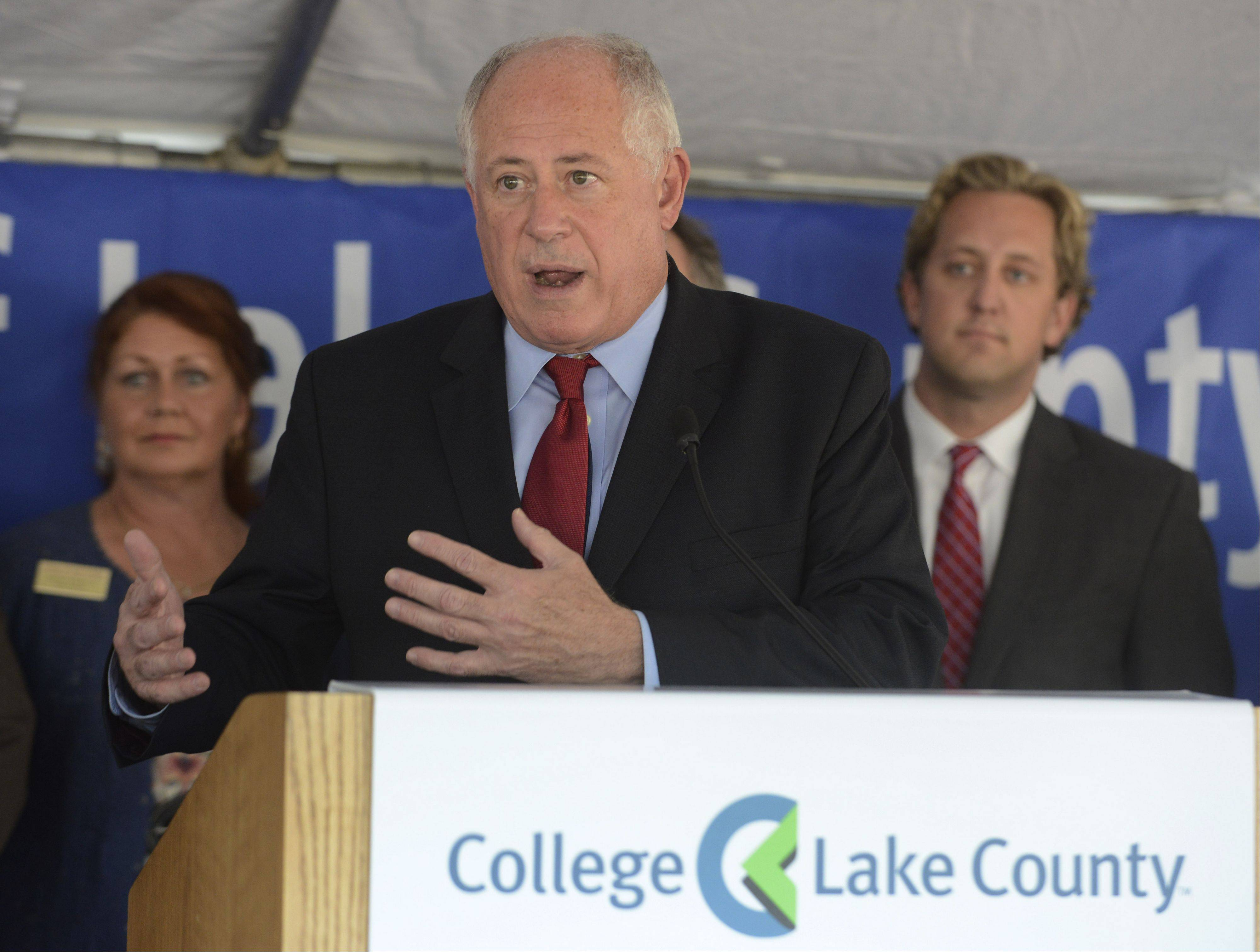 Gov. Pat Quinn announces Thursday the state will provide $36 million toward expansion of College of Lake County's downtown Waukegan campus.