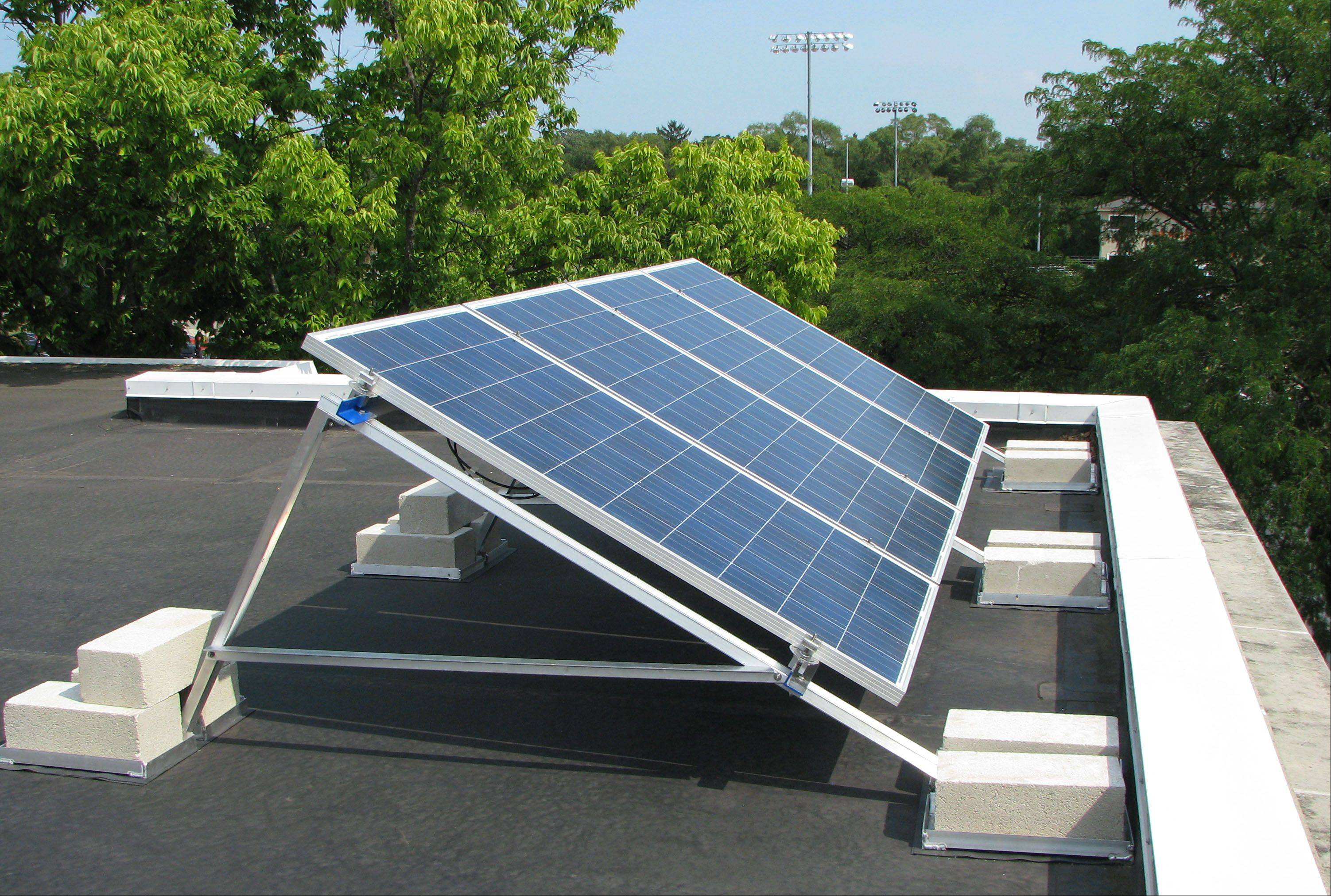 Libertyville High turning to sun for energy