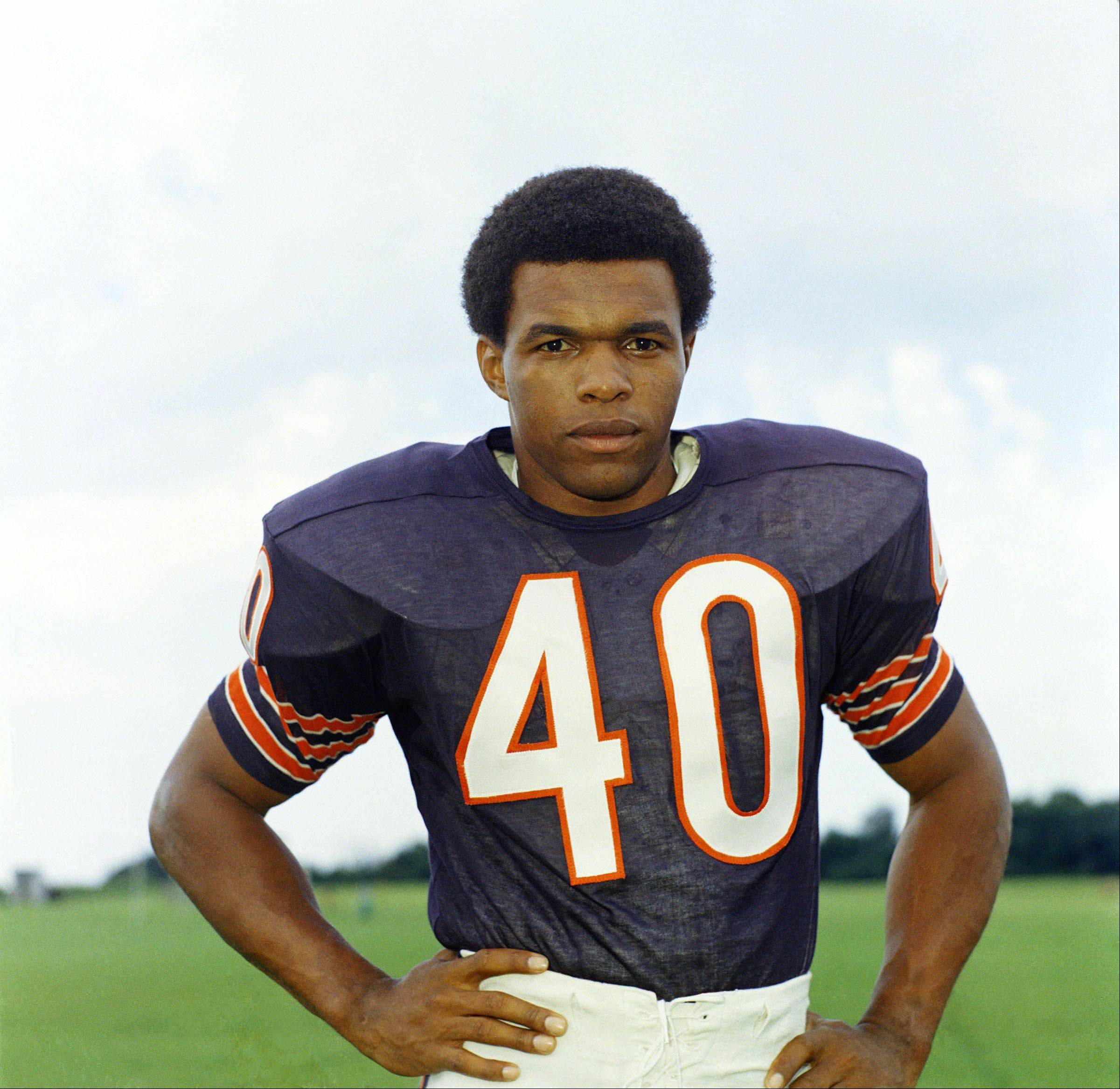 Hall of Fame running back Gale Sayers is suing the National Football League and helmet maker Riddell claiming their failure to prevent repeated head injuries which caused him to suffer brain damage.