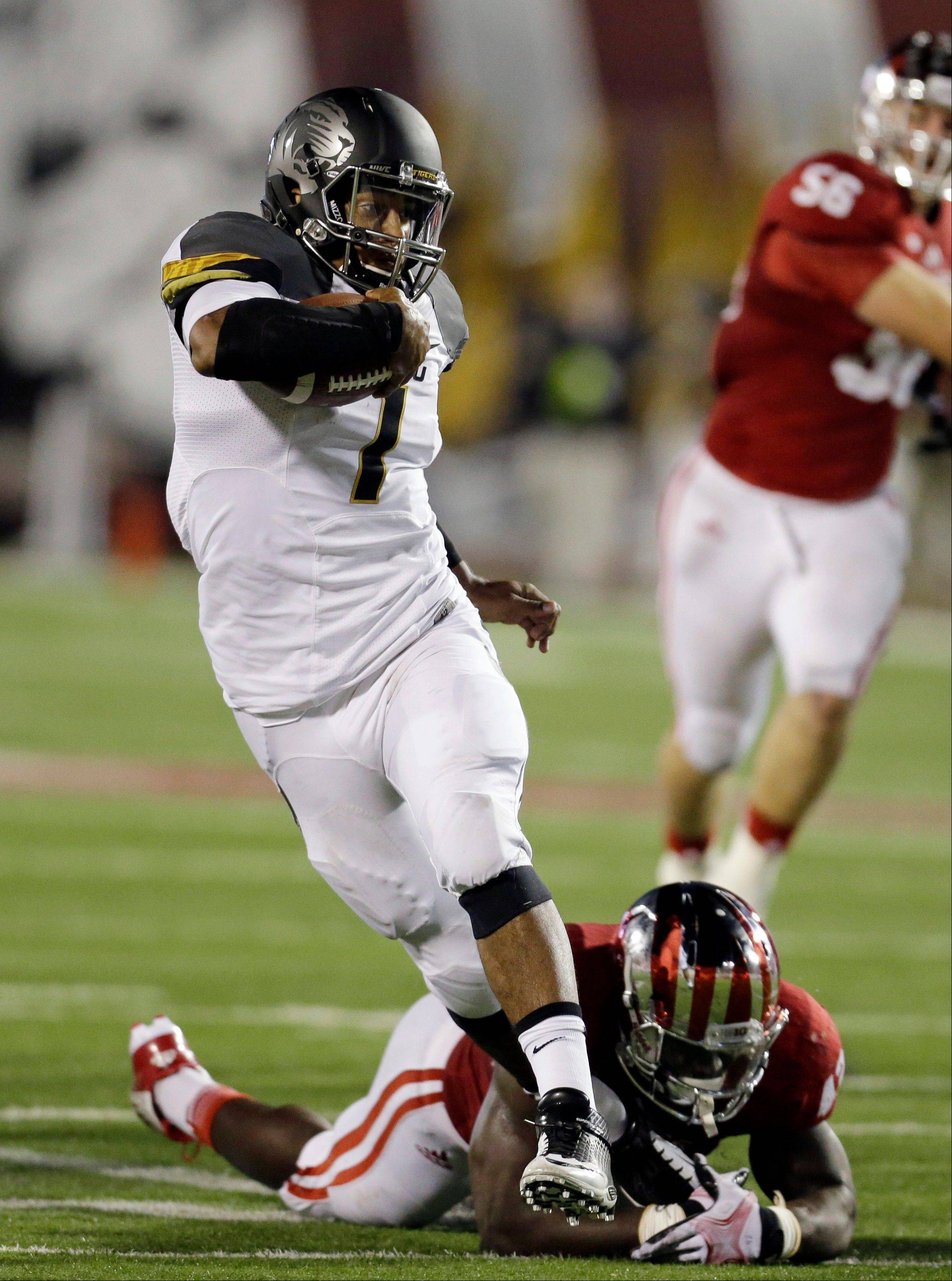 Missouri offense beats up Hoosiers 45-28