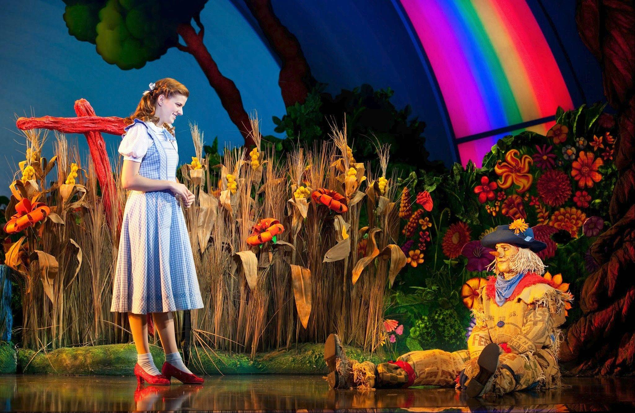 Dorothy (Danielle Wade) encounters the Scarecrow (Jamie McKnight) in the new national tour of �The Wizard of Oz,� coming to Chicago�s Cadillac Palace Theatre from Wednesday, April 30, through Sunday, May 11.