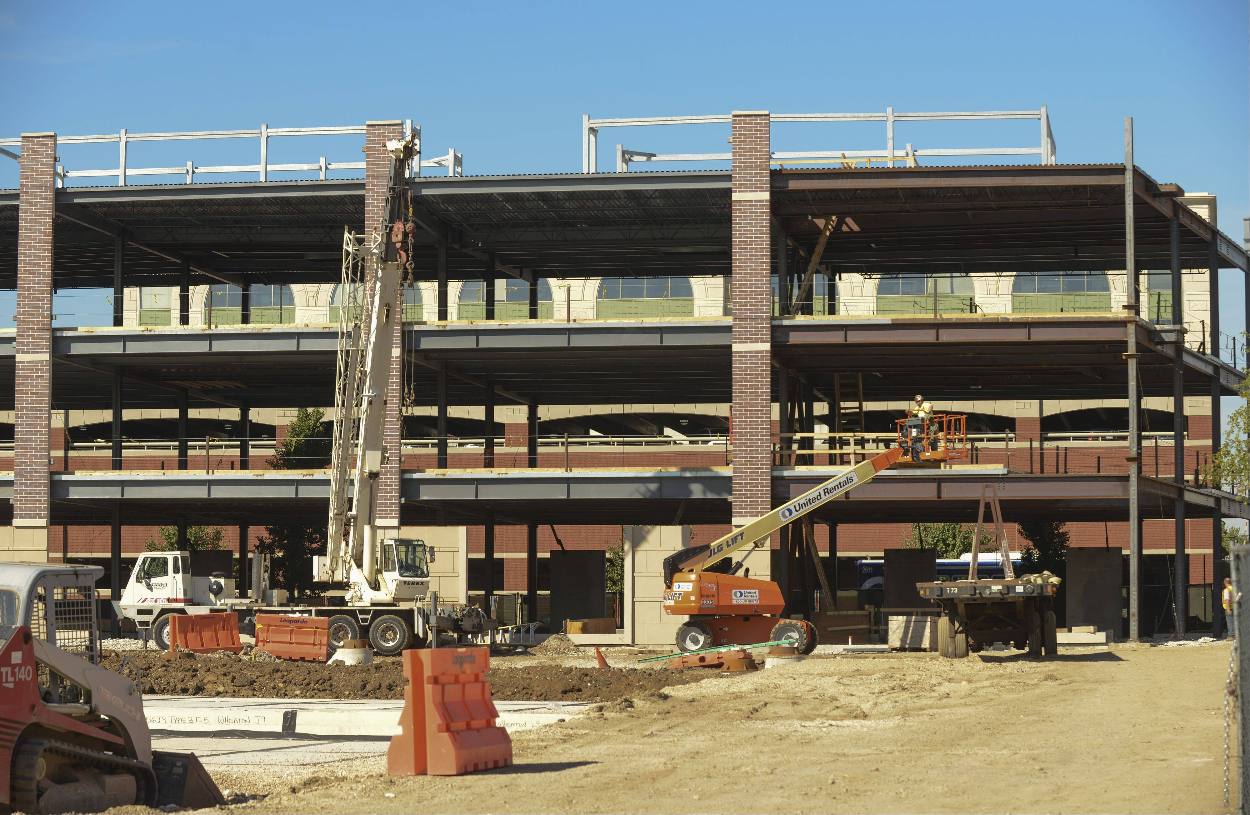 DuPage Medical Group facility taking shape in Wheaton