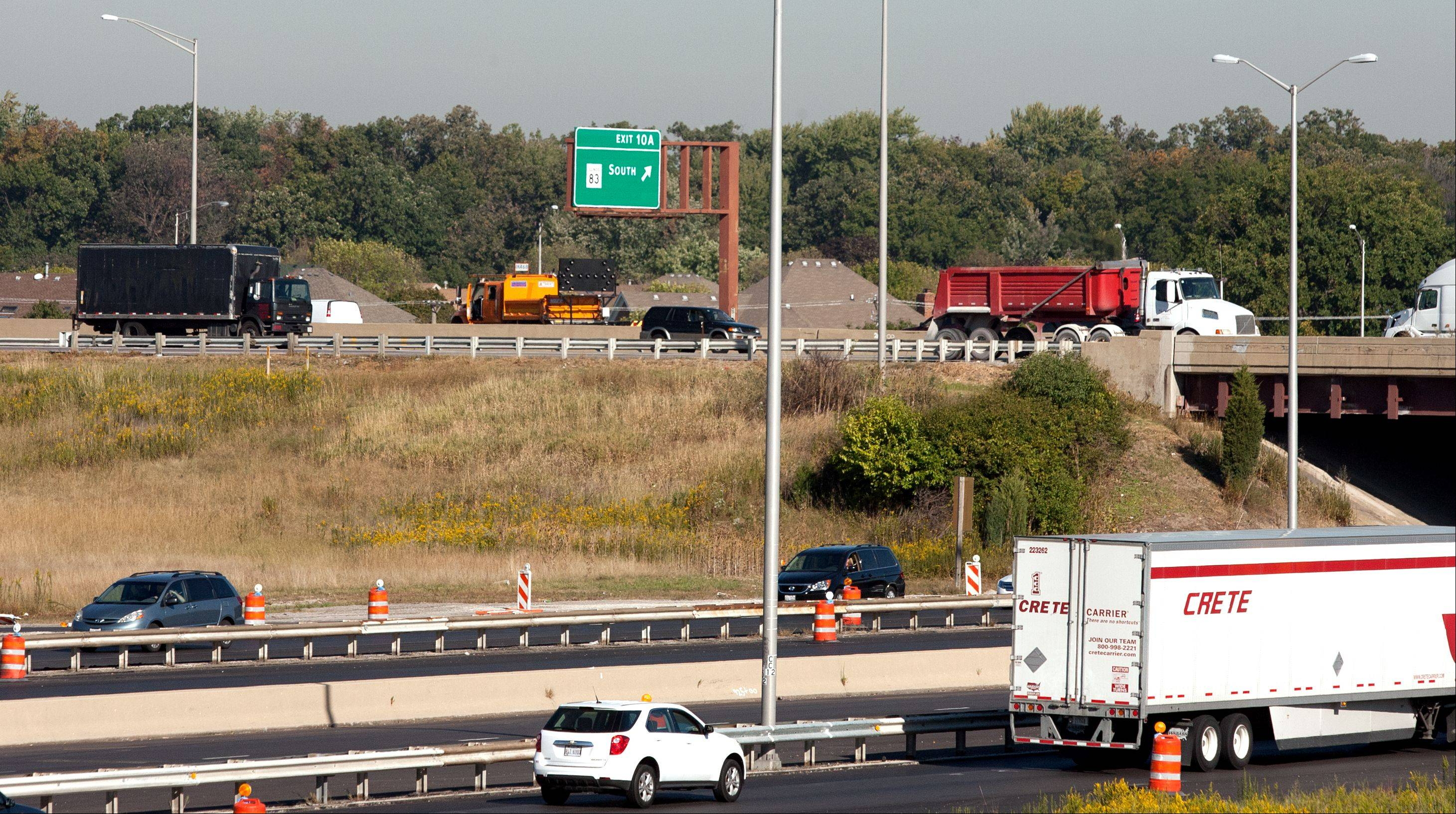 Traffic was diverted Thursday morning along westbound I-290 following a single-vehicle crash that killed four people and injured four others.