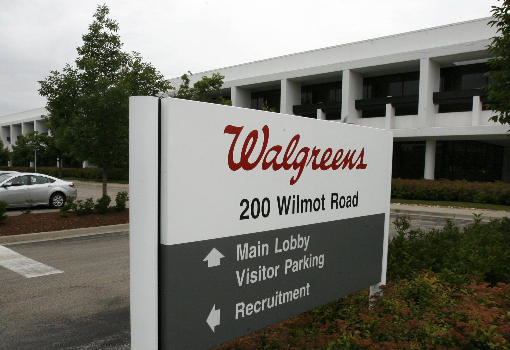 Walgreen Co.�s fiscal fourth-quarter earnings soared 86 percent, as the nation�s largest drugstore chain booked gains from its method of inventory accounting and its acquisition of a stake in European health and beauty retailer Alliance Boots.