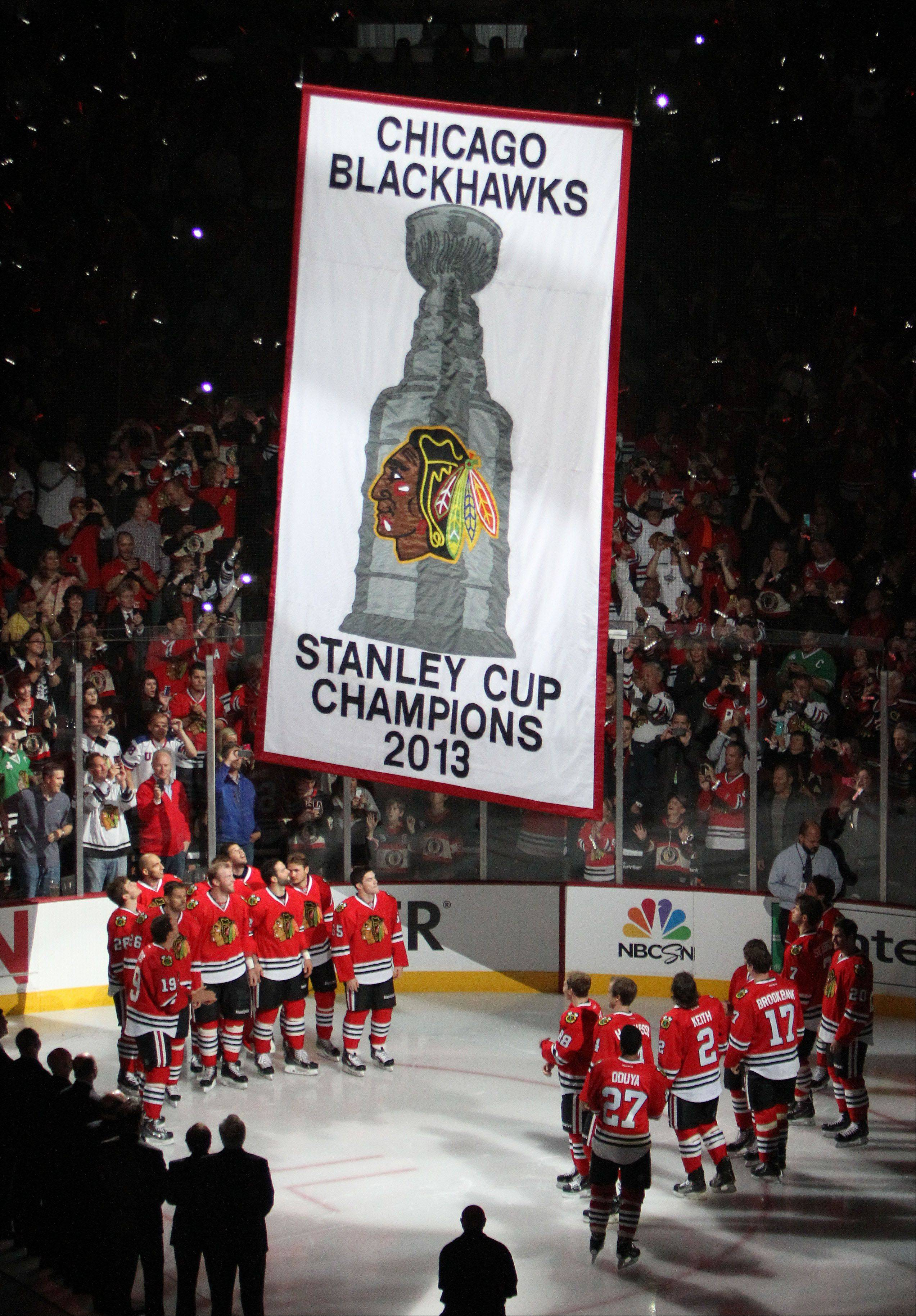 Nobody raises a banner better than Blackhawks