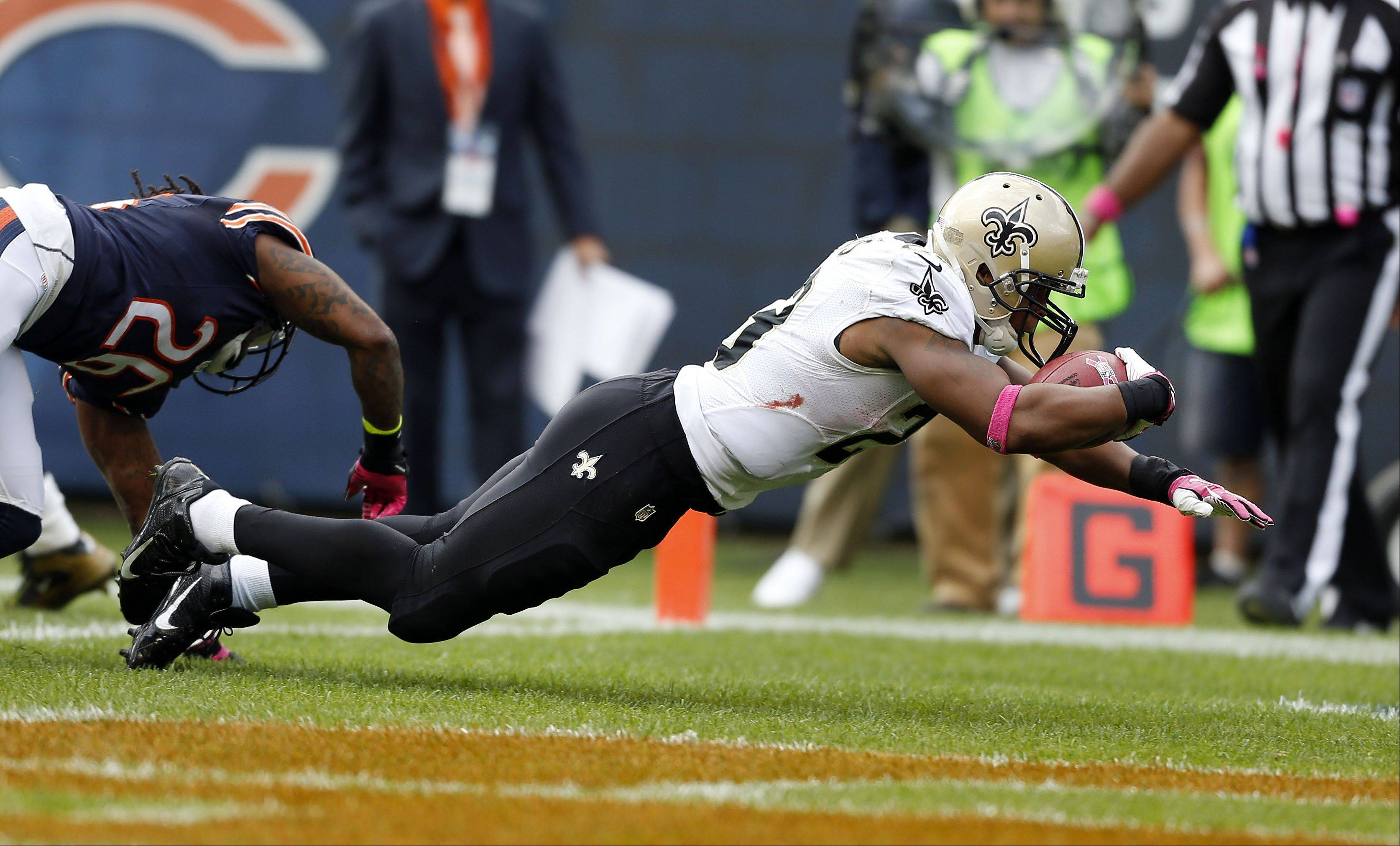 New Orleans Saints running back Pierre Thomas dives in for a score during the Bears 26-18 loss to the New Orleans Saints Sunday.