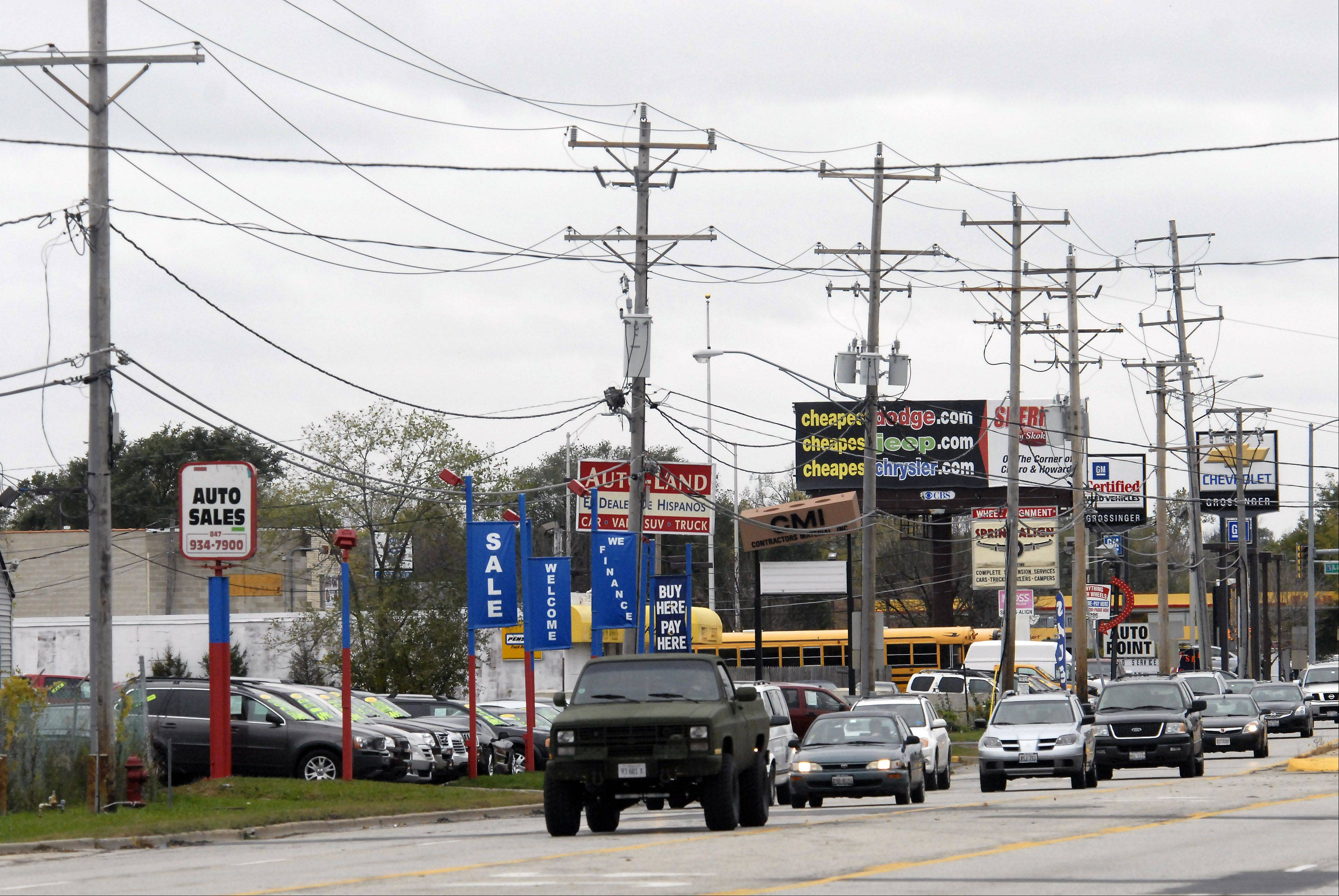 Palatine is getting some unexpected money that can fund signals and crosswalks at the intersection of Rand and Hicks roads.