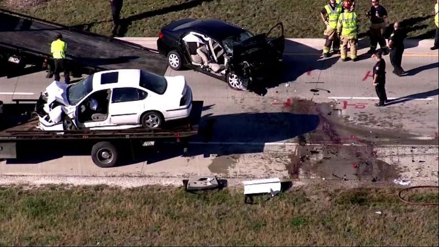 Multiple vehicles involved in South Elgin crash