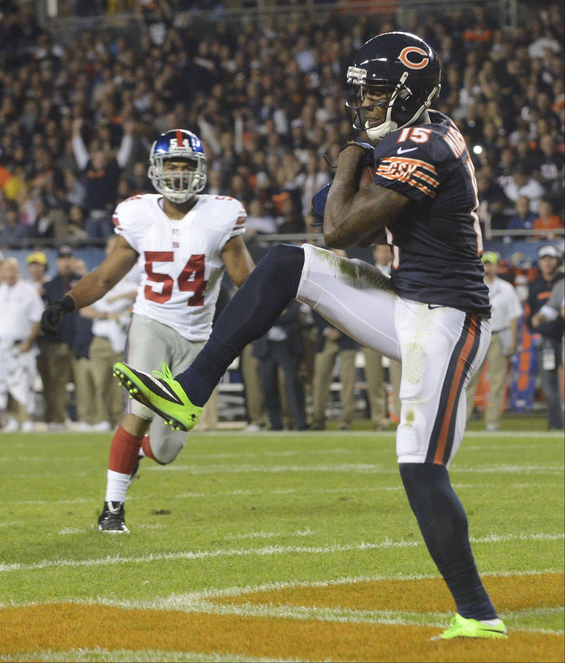 Chicago Bears wide receiver Brandon Marshall makes a touchdown catch during the second quarter.