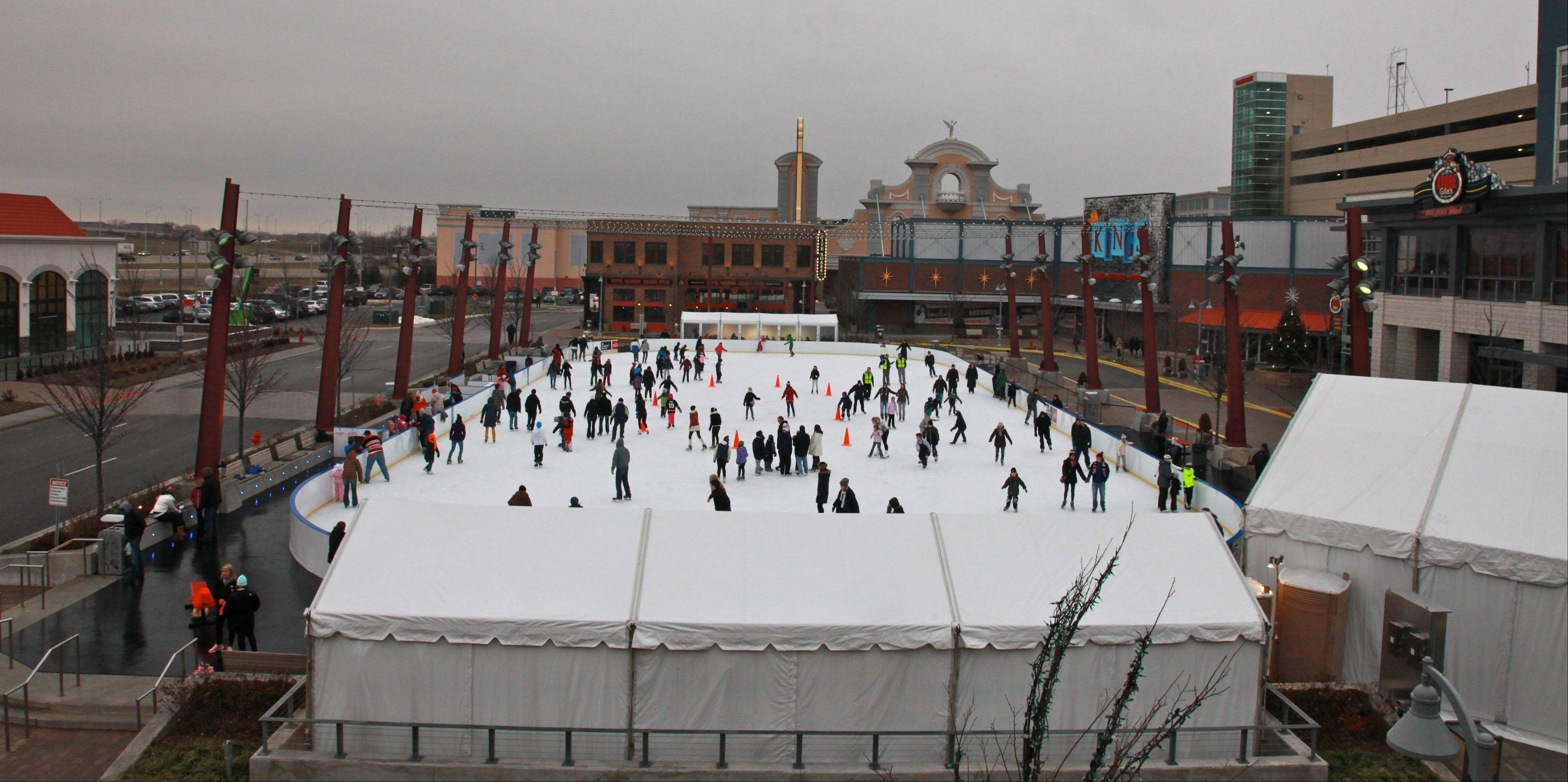 Outdoor hockey coming to Rosemont's ice rink