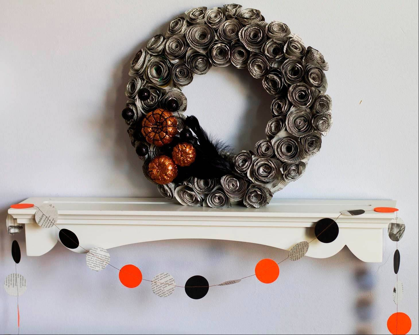 With its black and white color scheme, newspaper can be the perfect starting point for Halloween crafts. Just add some orange accents and turn newspapers into easy garlands or more elaborate paper flowers to adorn a wreath.