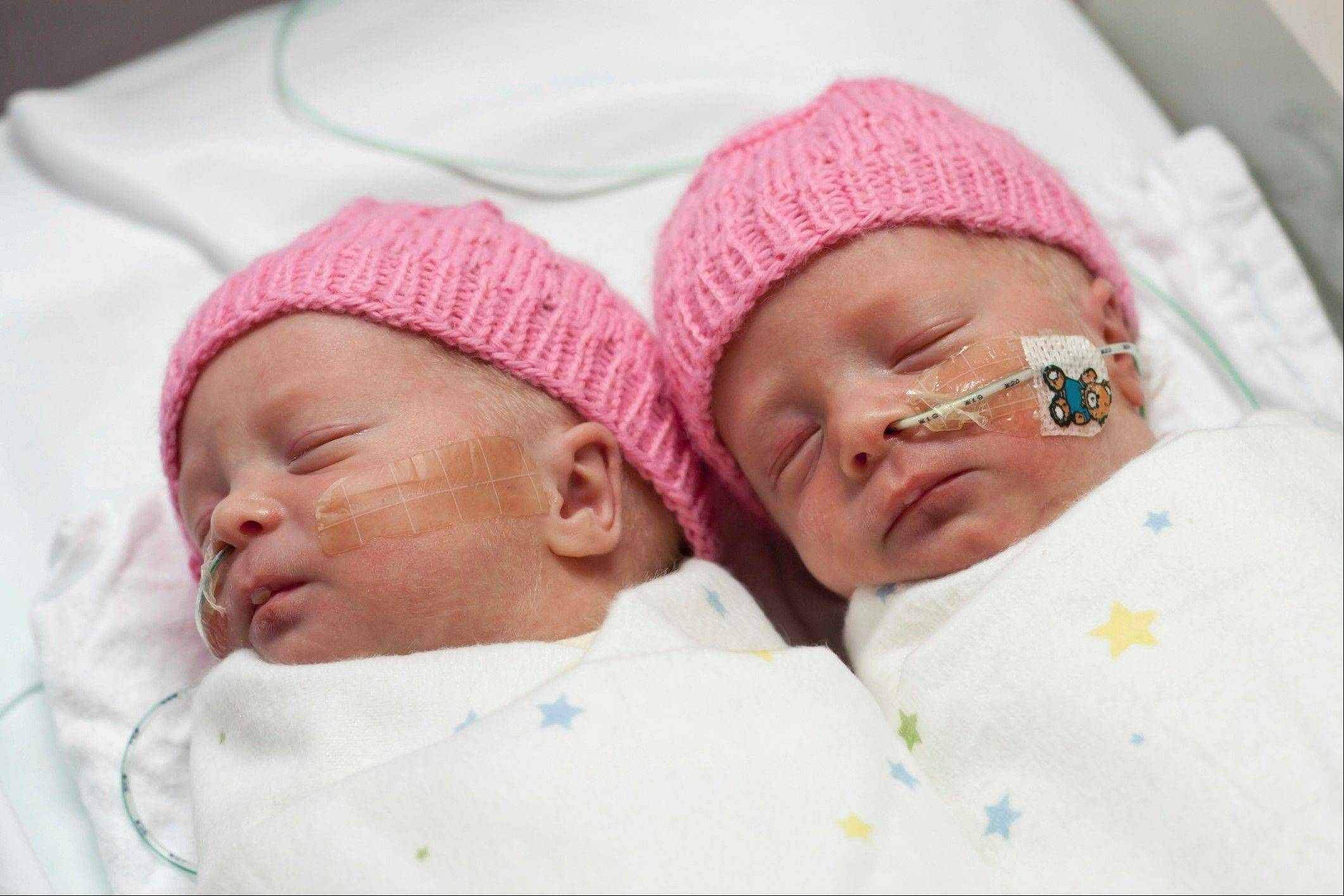 Recent studies are finding that mothers can deliver twins safely without surgery.