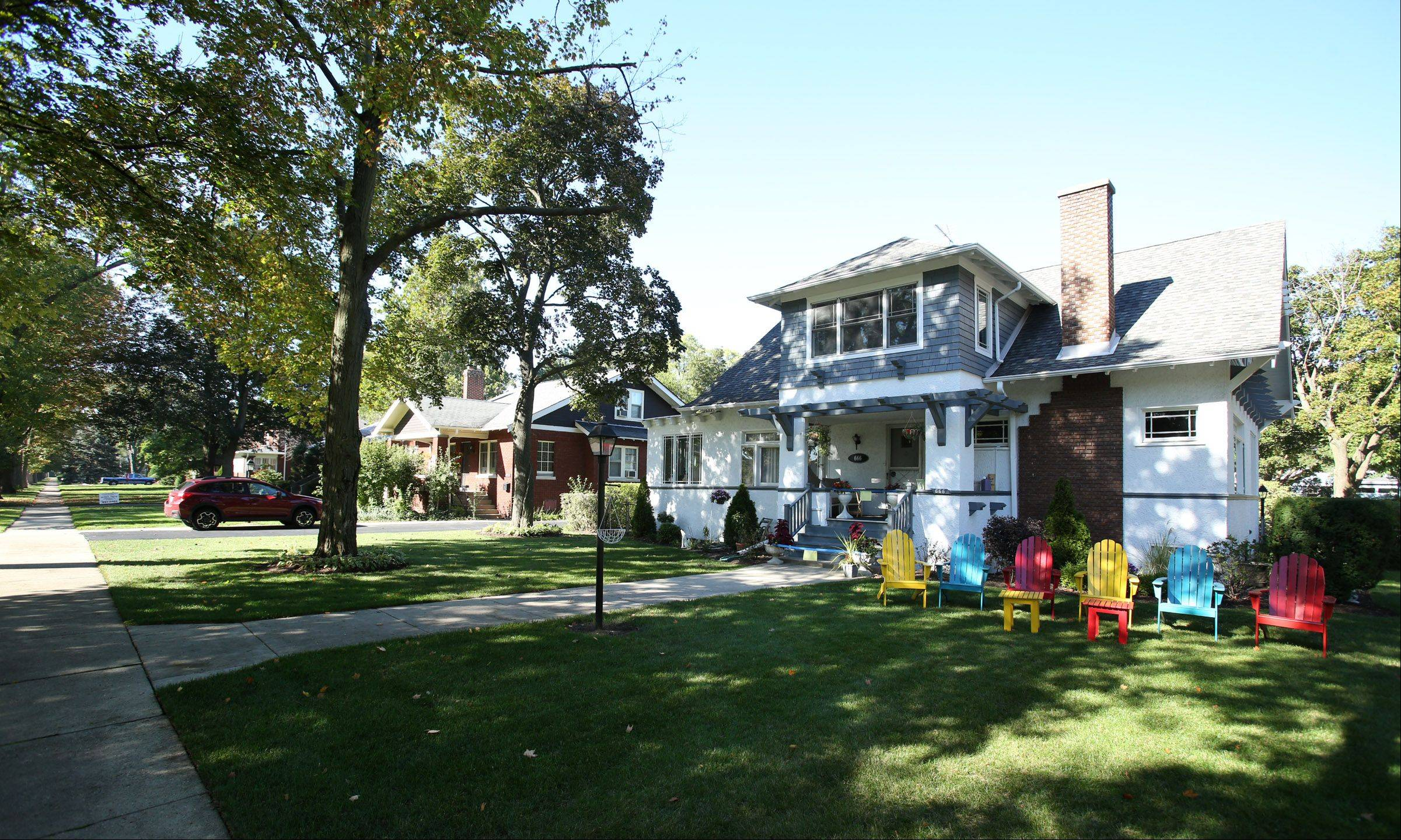 Laurel Avenue in Des Plaines is in the Silk Stocking neighborhood, where many of the town's oldest and most stately homes exist.