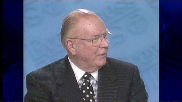 Veteran ABC 7 political editor Hugh Hill of Naperville died Friday at age 89.