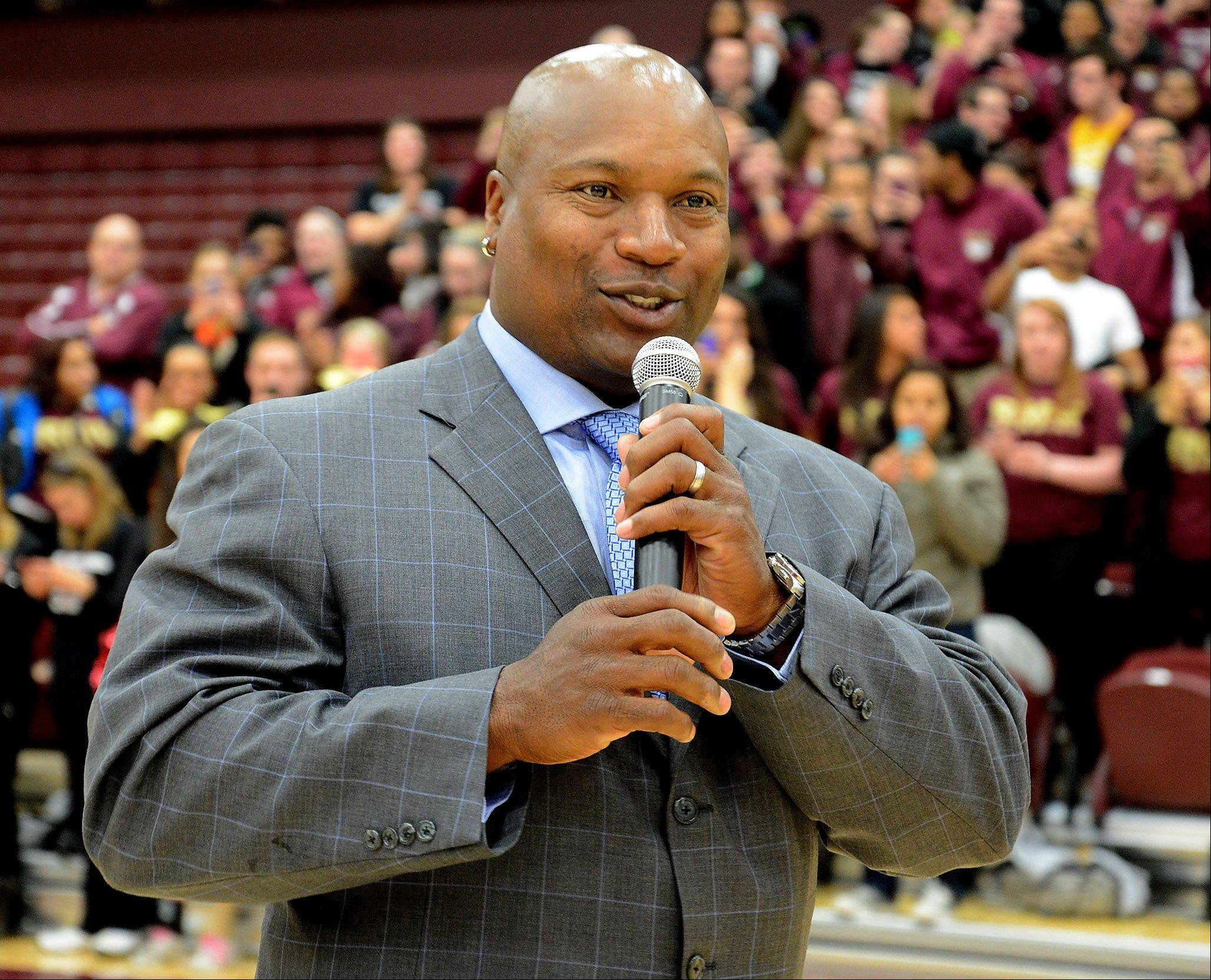 Football and baseball legend Bo Jackson talks to students during a pep rally Friday at the Arlington Heights campus of Robert Morris University. The school unveiled its new athletic convocation center.