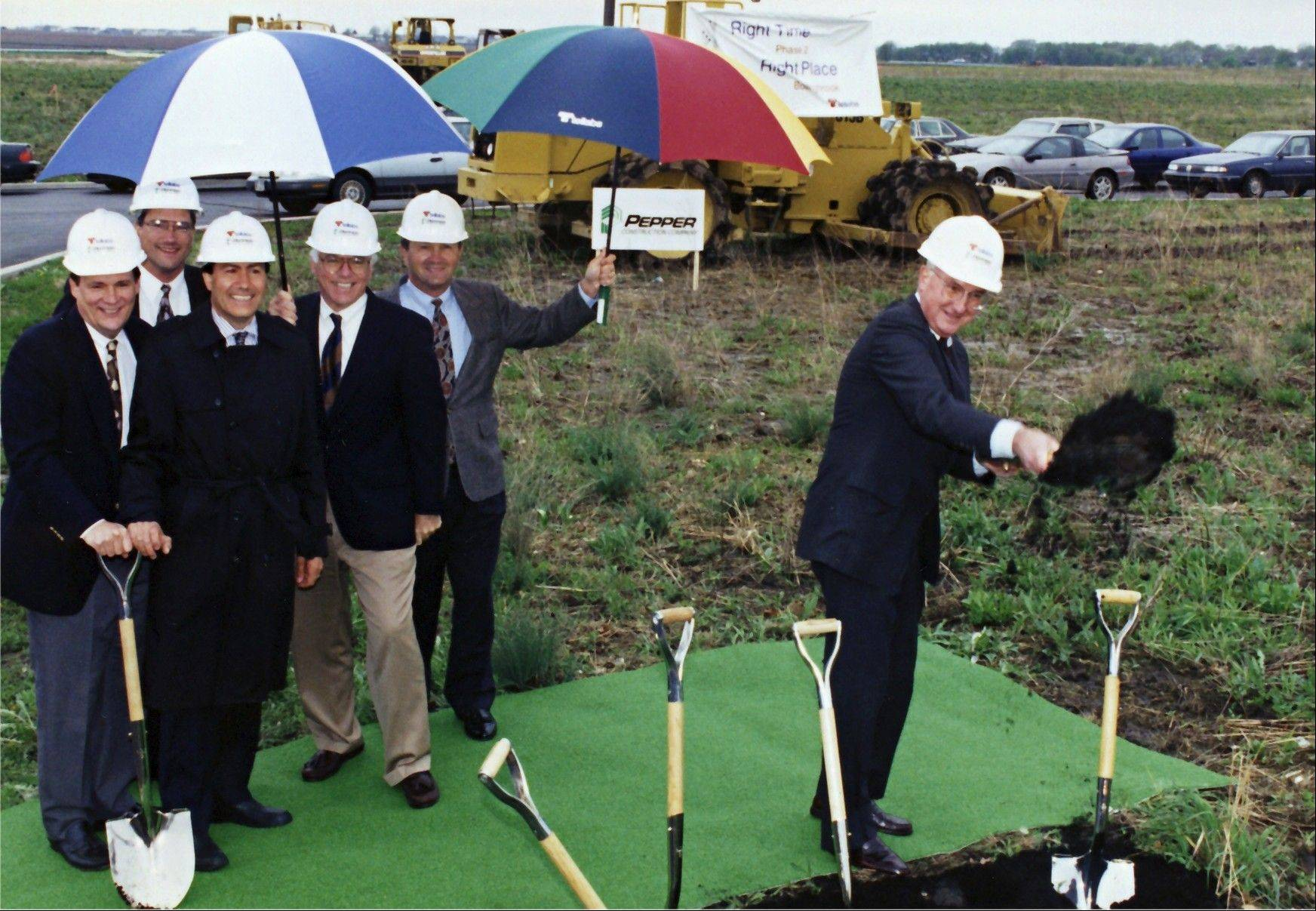 Mike Birck broke ground for Tellabs' headquarters in Naperville in April 2000.