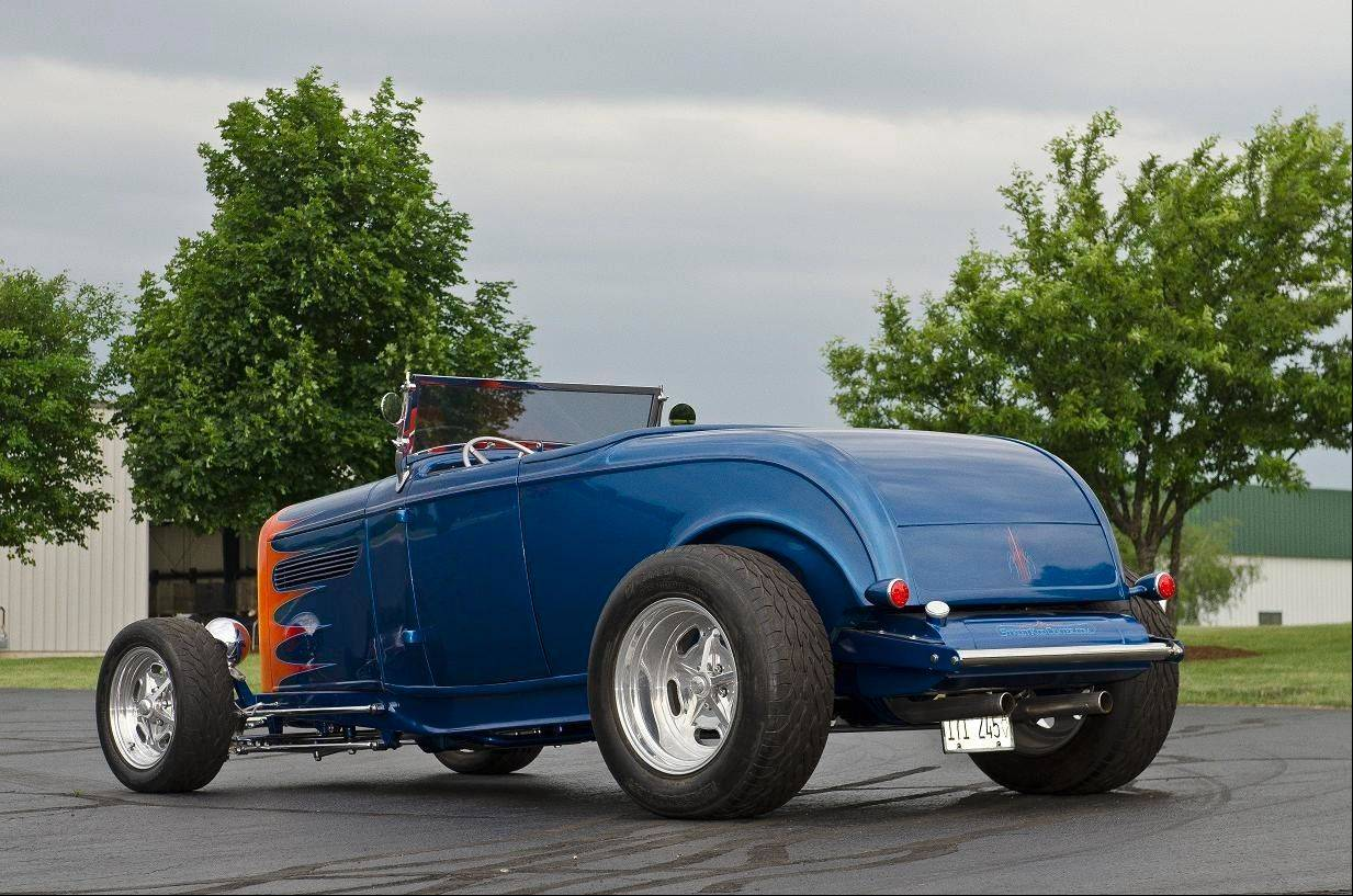 932 Ford Roadster in Nausau Bluet