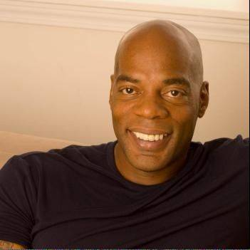 Comedian Alonzo Bodden headlines The Improv Comedy Showcase in Schaumburg.