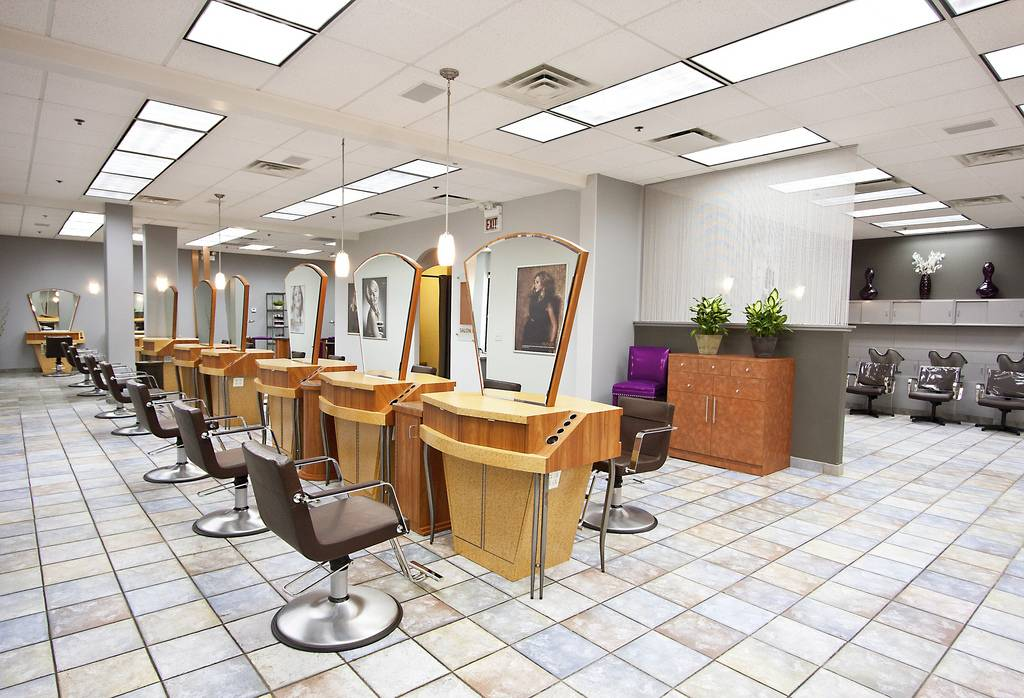 Salon Lorrene Stations