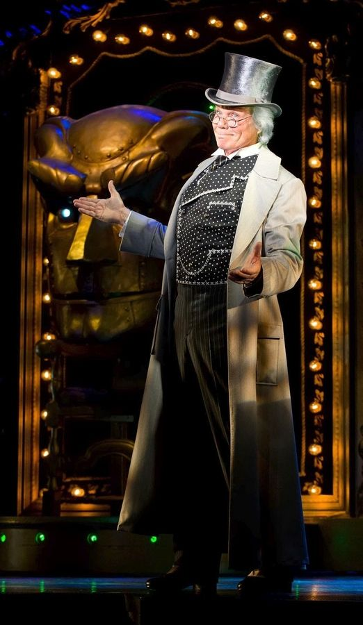 "John Davidson (""That's Incredible,"" ""The Happiest Millionaire"") stars as the Wizard in the Emerald City national tour of ""Wicked,"" playing at the Oriental Theatre in Chicago from Wednesday, Oct. 30, through Sunday, Dec. 21."