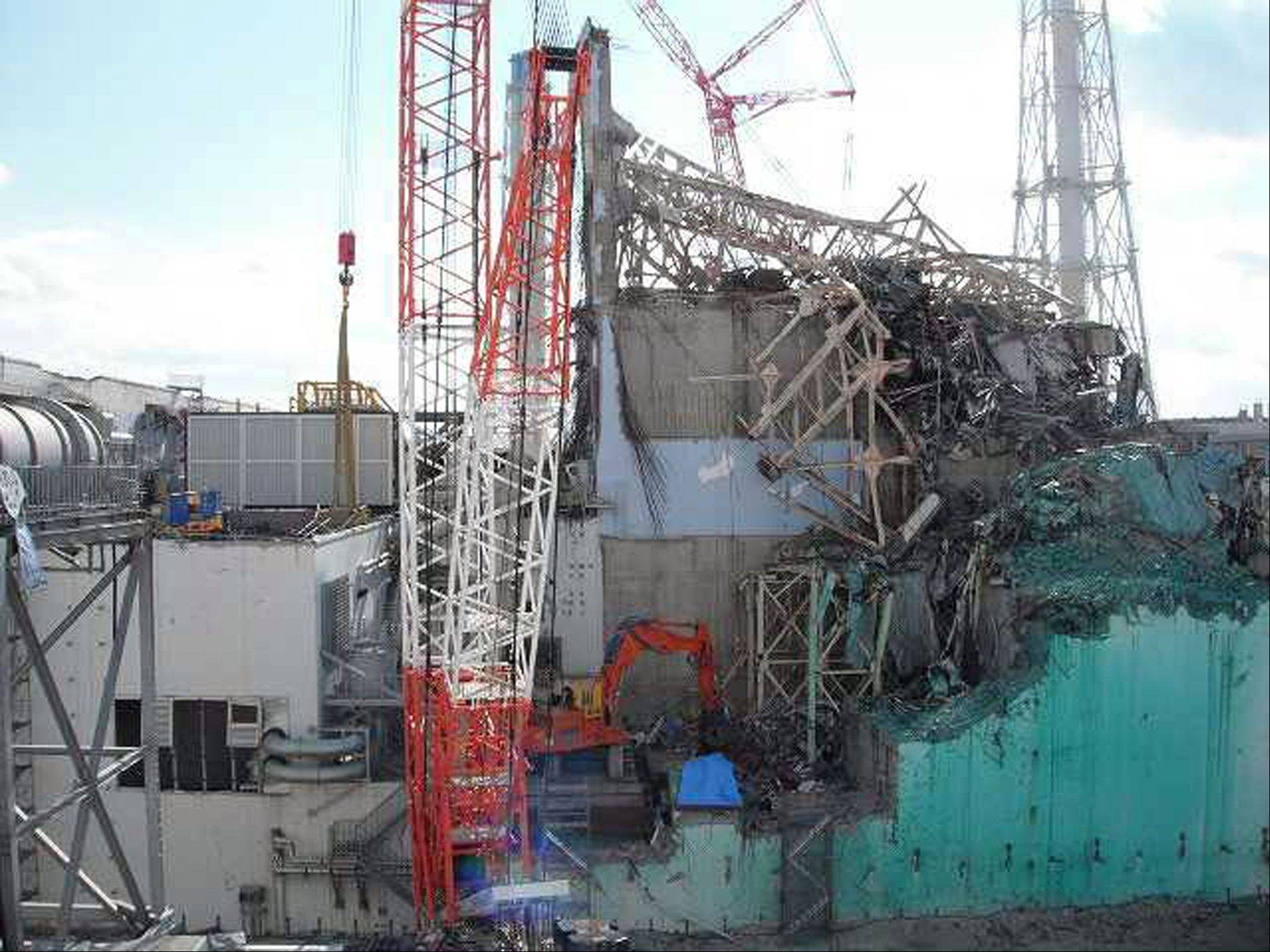 Debris covers the No. 3 nuclear reactor at the tsunami-crippled Fukushima Dai-ichi nuclear power plant in Okuma, Japan.When the tsunami triggered a triple-meltdown at the plant in March 2011, the nuclear waste that was stored in dry casks was protected, according to David Lochbaum, director of the Union of Concerned Scientists' Nuclear Safety Project.