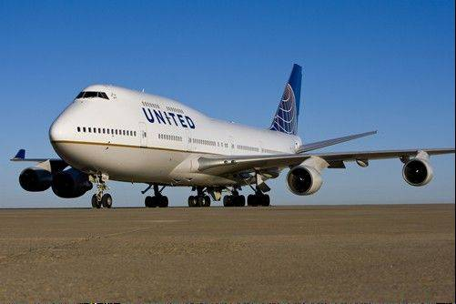 United reached a new labor deal for 28,000 baggage handlers and other ground workers Tuesday that gets the airline closer to fully absorbing Continental.