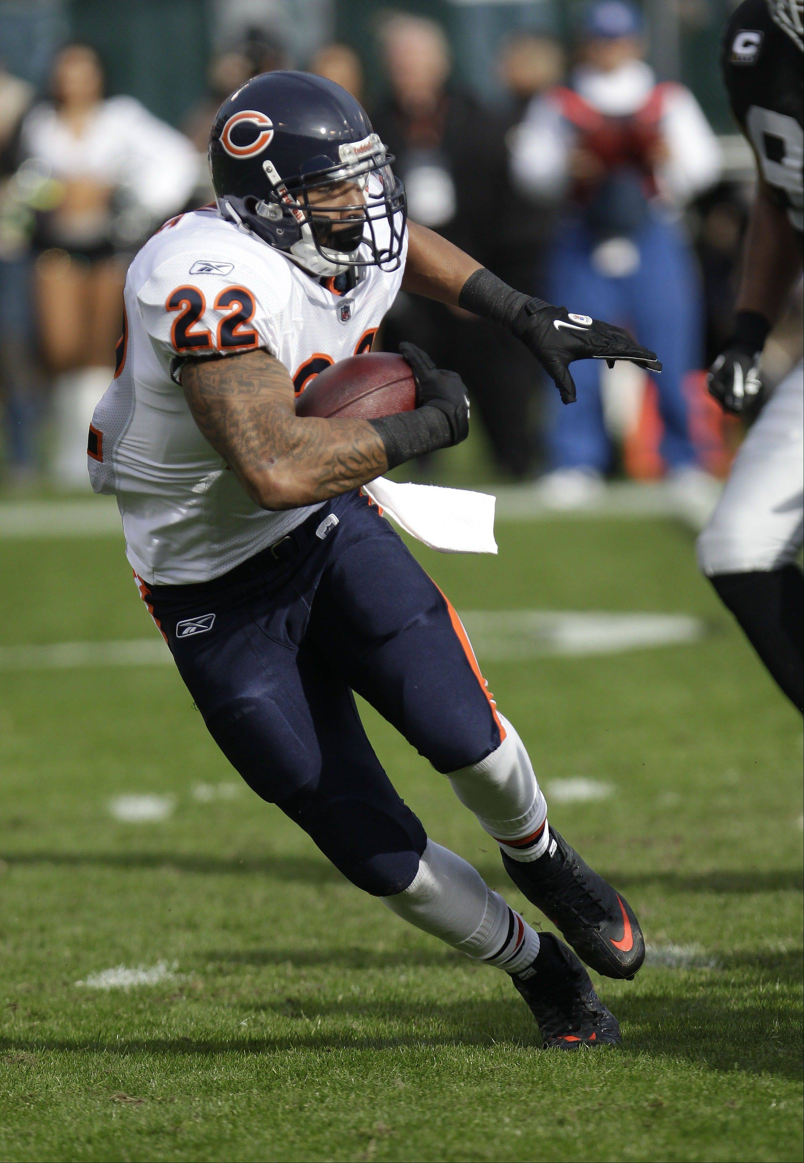 Chicago Bears running back Matt Forte could be feeling the pressure with quarterback Jay Cutler out for at least three weeks. Forte is seventh in the NFL with 533 rushing yeards and he's averaging 21.6 touches per game.