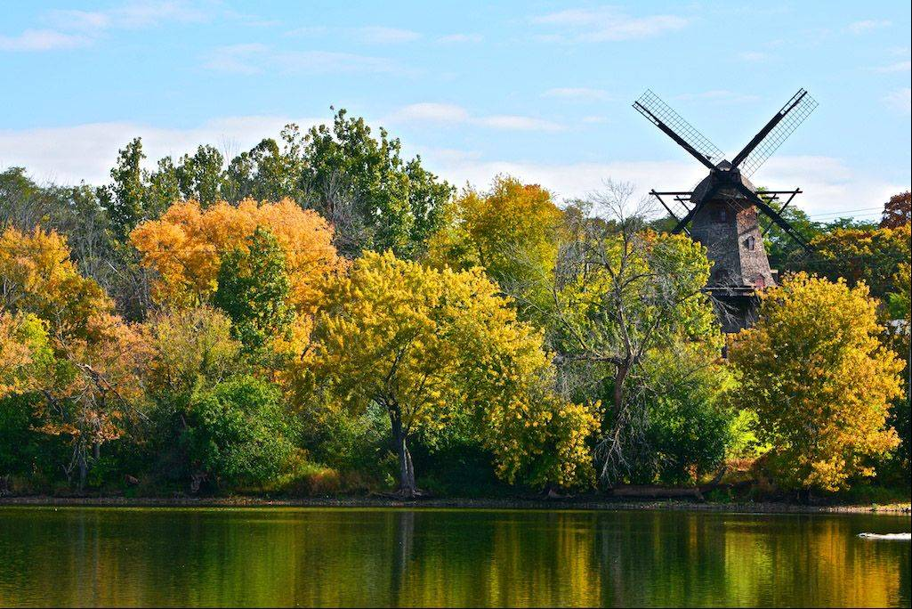 I love walking the trails along the Fox River and enjoying all the beautiful scenery. The Fabyan Windmill located in Batavia off the Fox River is a favorite spot of mine and every season creates a unique background for a local icon.