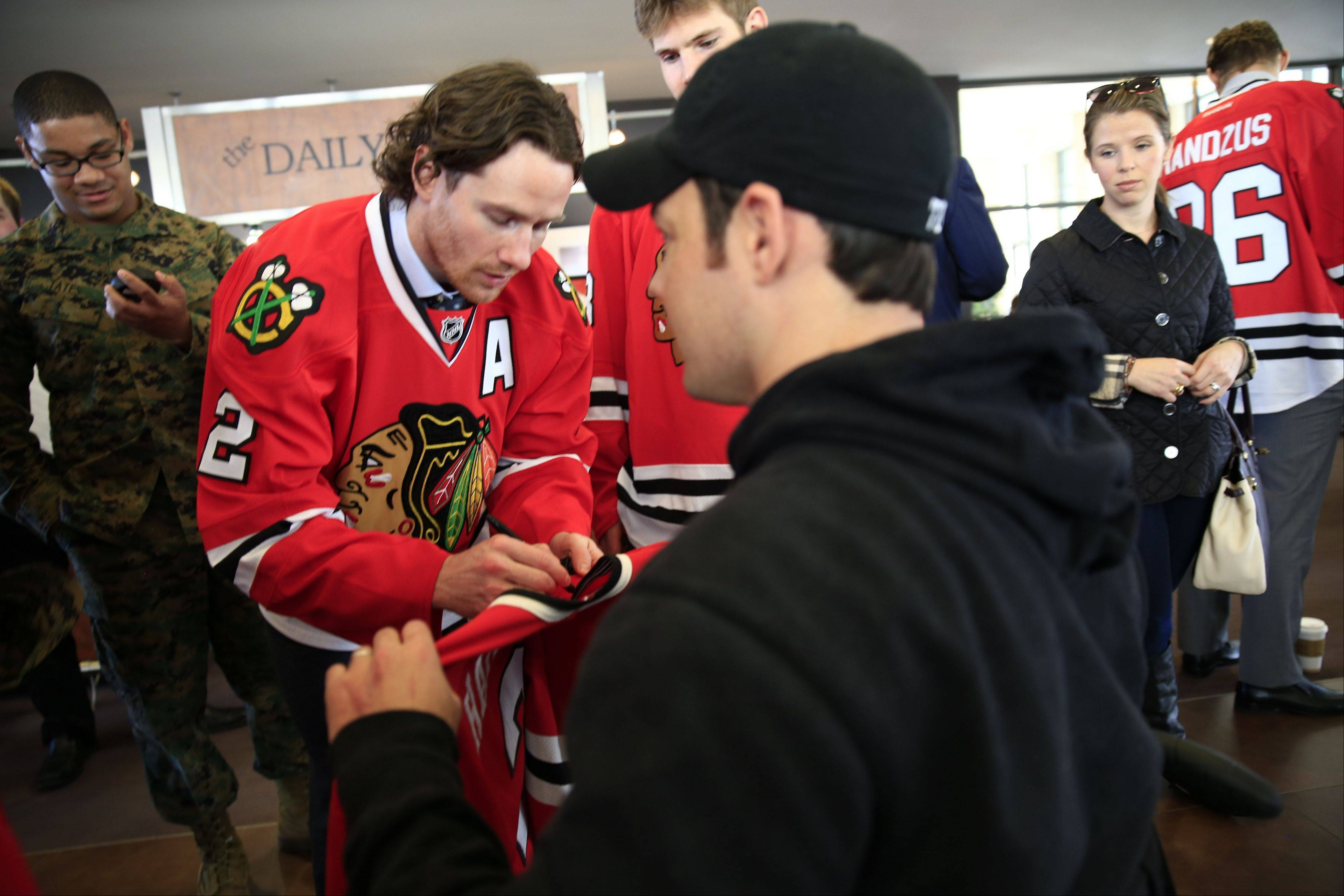 Images: Blackhawks at Walter Reed Medical Center