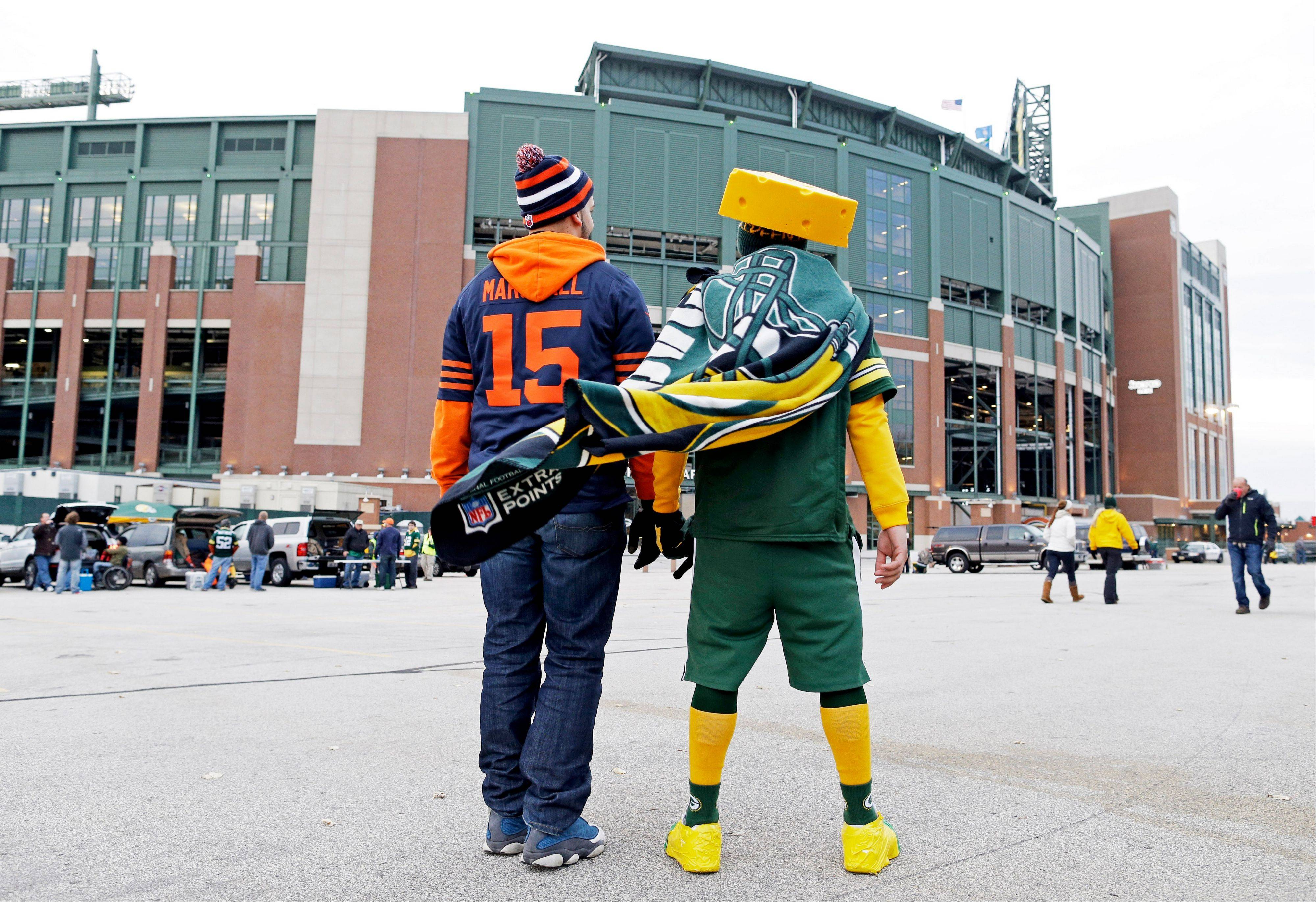 Fans make their way to Lambeau Field.