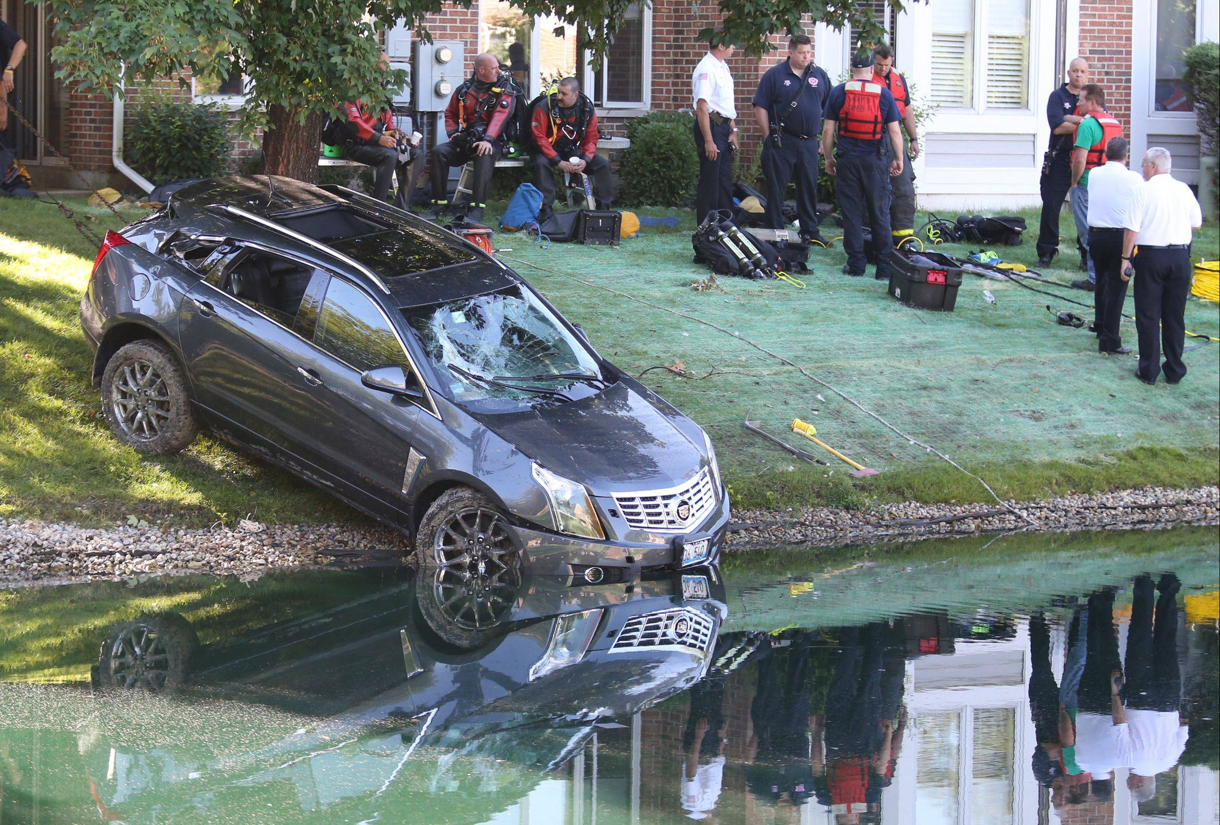 A 911 dispatcher who took the call of an 89-year-old Arlington Heights man from his sinking car on July 24 didn't follow the proper protocols, officials said.