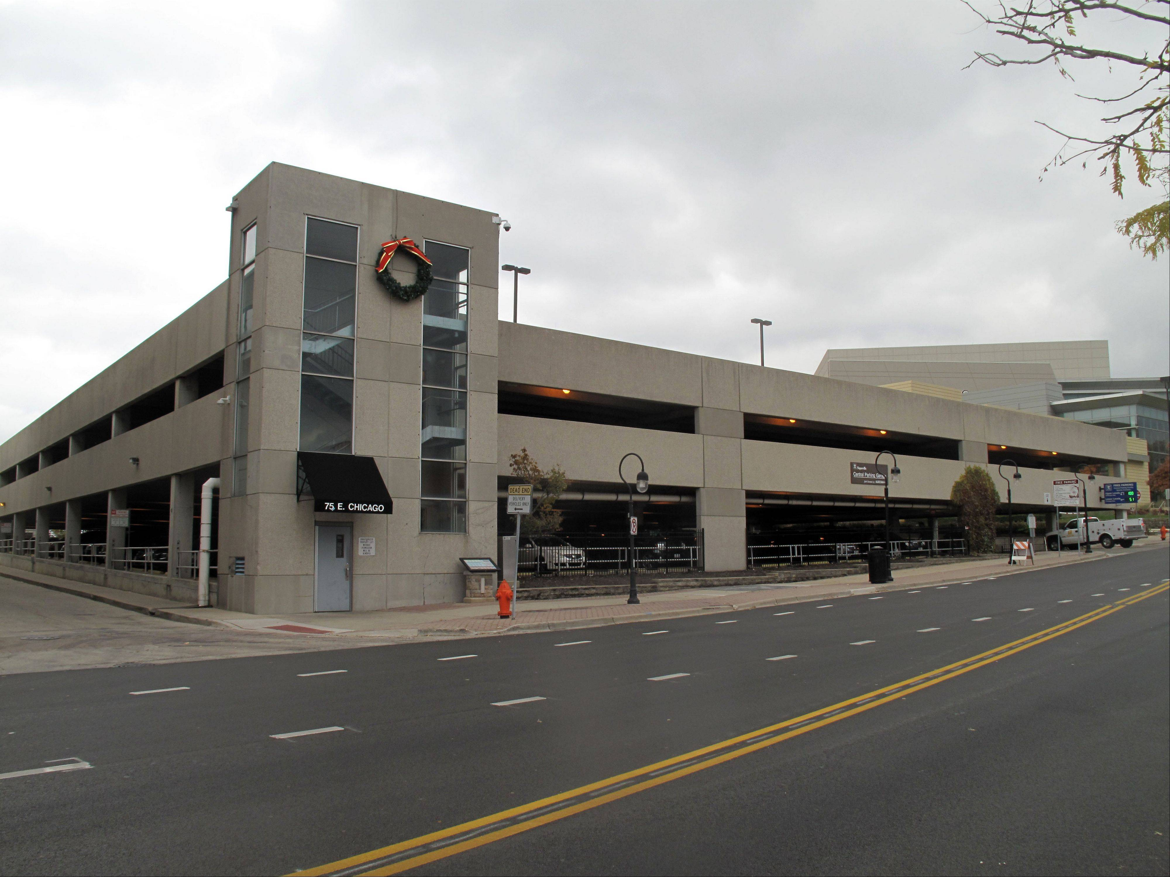 Naperville to expand Chicago Avenue parking deck