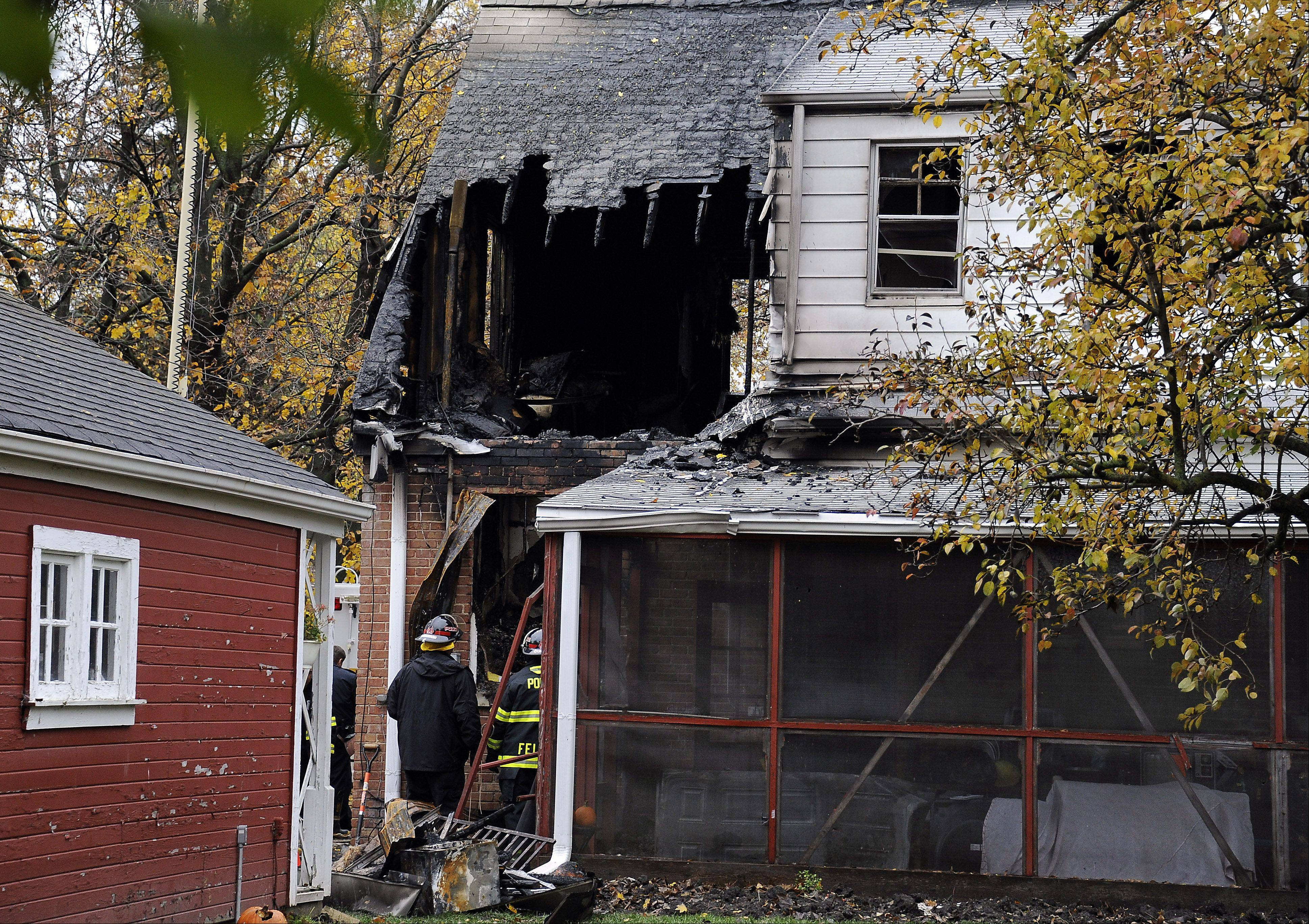 The lack of a working smoking detector in this week's fatal house fire in Arlington Heights is causing the fire department to renew its appeal that such devices be installed and properly maintained.