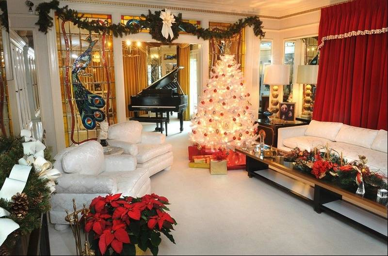 Cities in the mid south help visitors find the christmas - Pictures of homes decorated for christmas on the inside ...